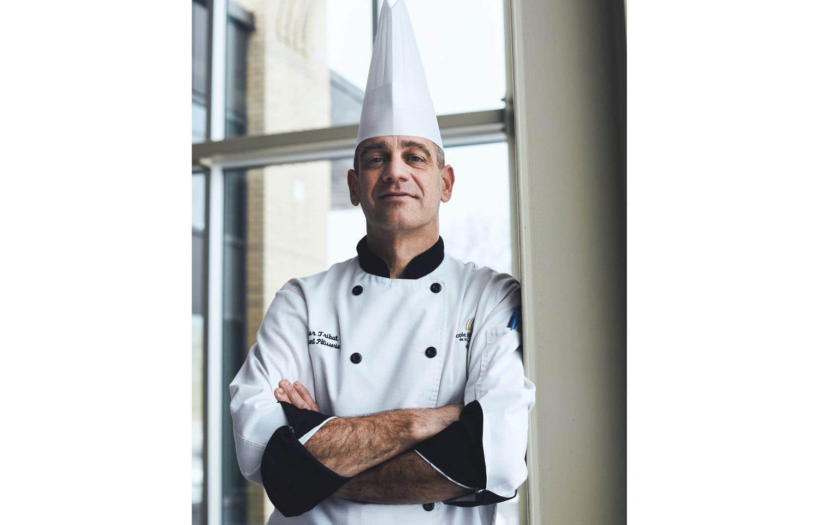 Le chocolatier Olivier Tribut enseigne la pâtisserie depuis 11 ans à l'École hôtelière de la Capitale, à Québec.