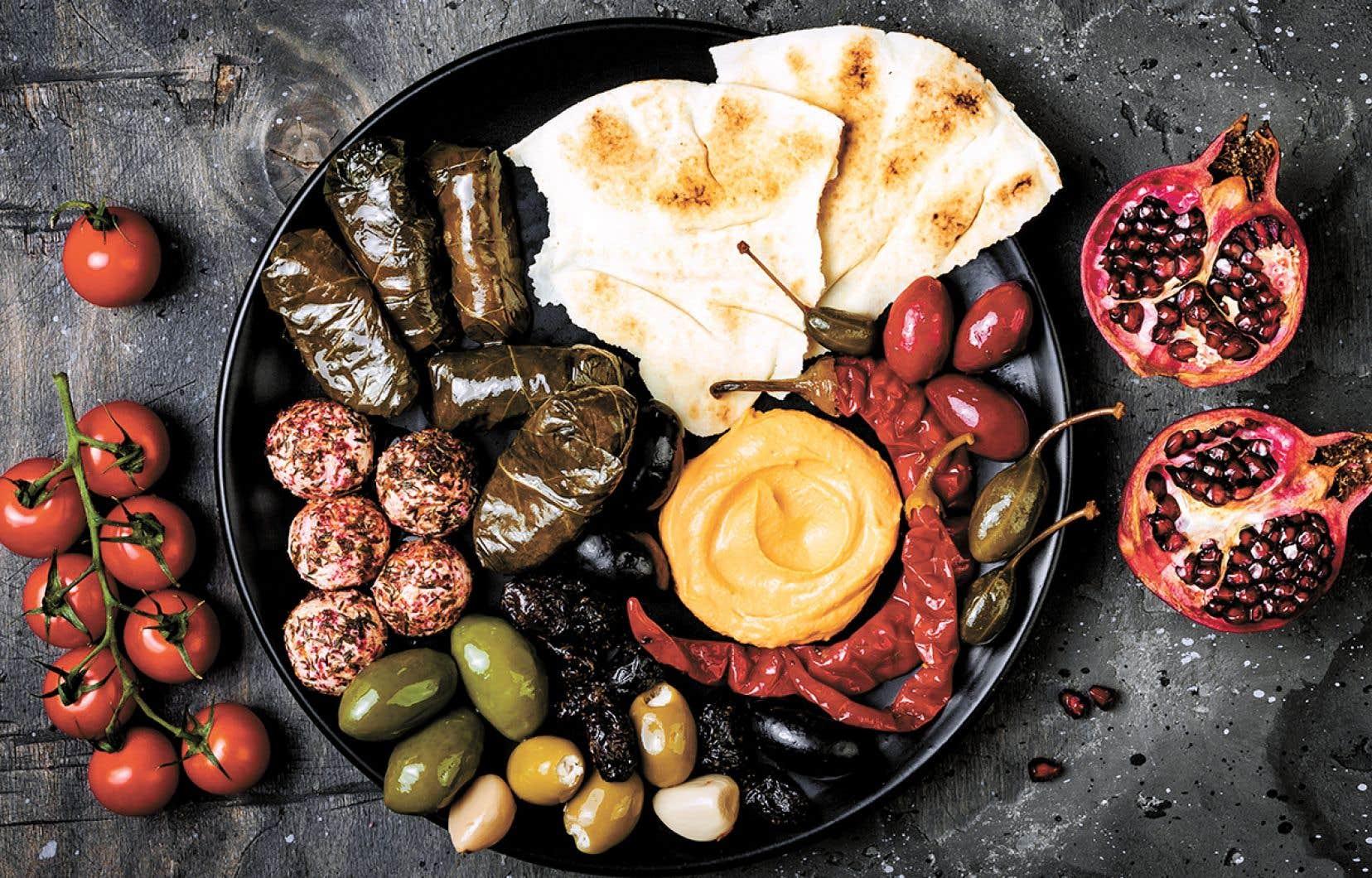 Pour leurs saveurs et leur culture culinaire différentes, pourquoi ne pas opter pour des apéros des Fêtes qui vous feront voyager?