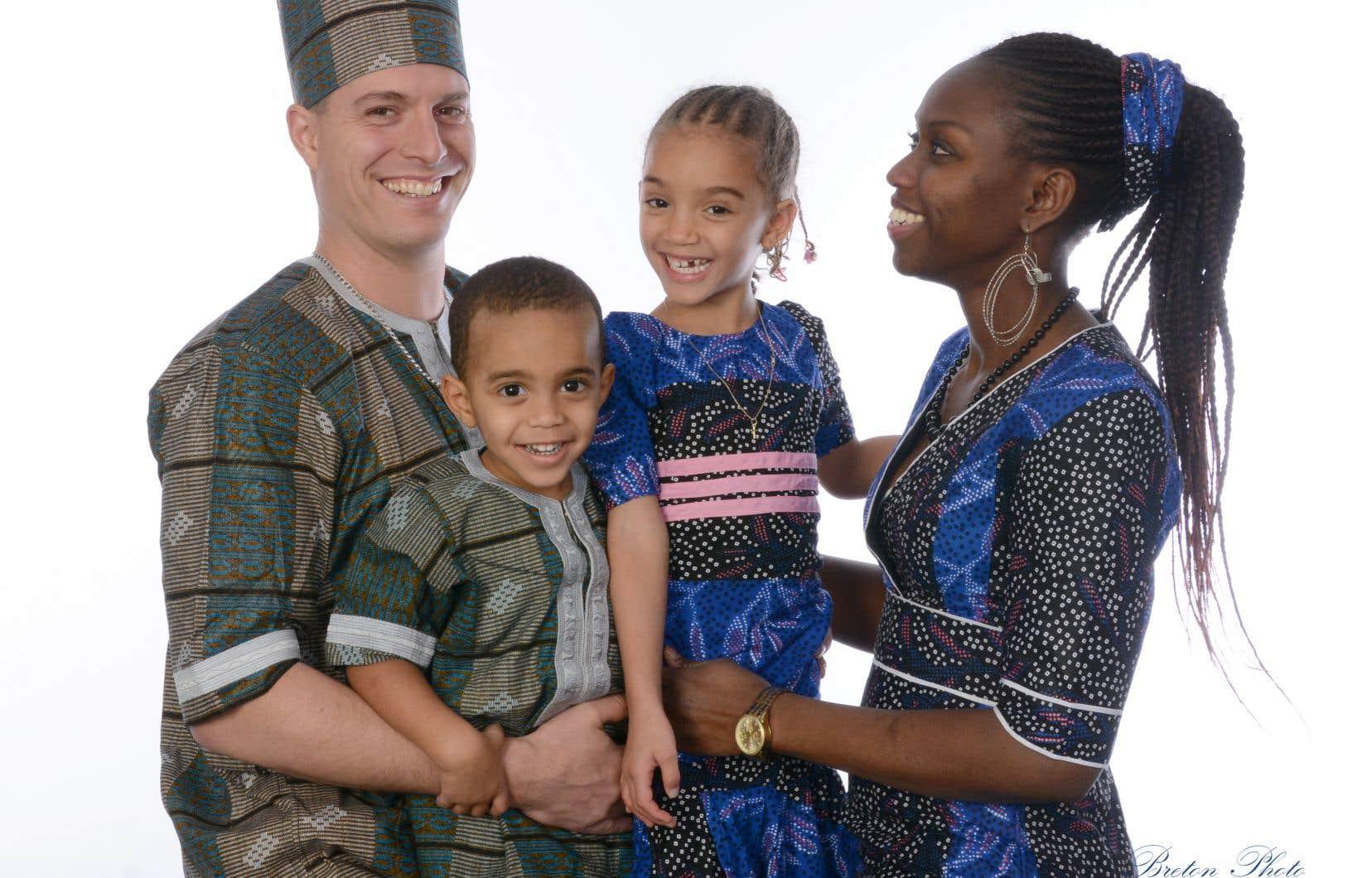 «Au Sénégal, on accorde beaucoup d'importance aux habits pour les Fêtes. Alors, mon mari, mes enfants et moi, nous nous procurons des nouvelles tenues pour Noël», explique Madeleine Gomis, précisant que les coiffures spéciales sont aussi de mise.