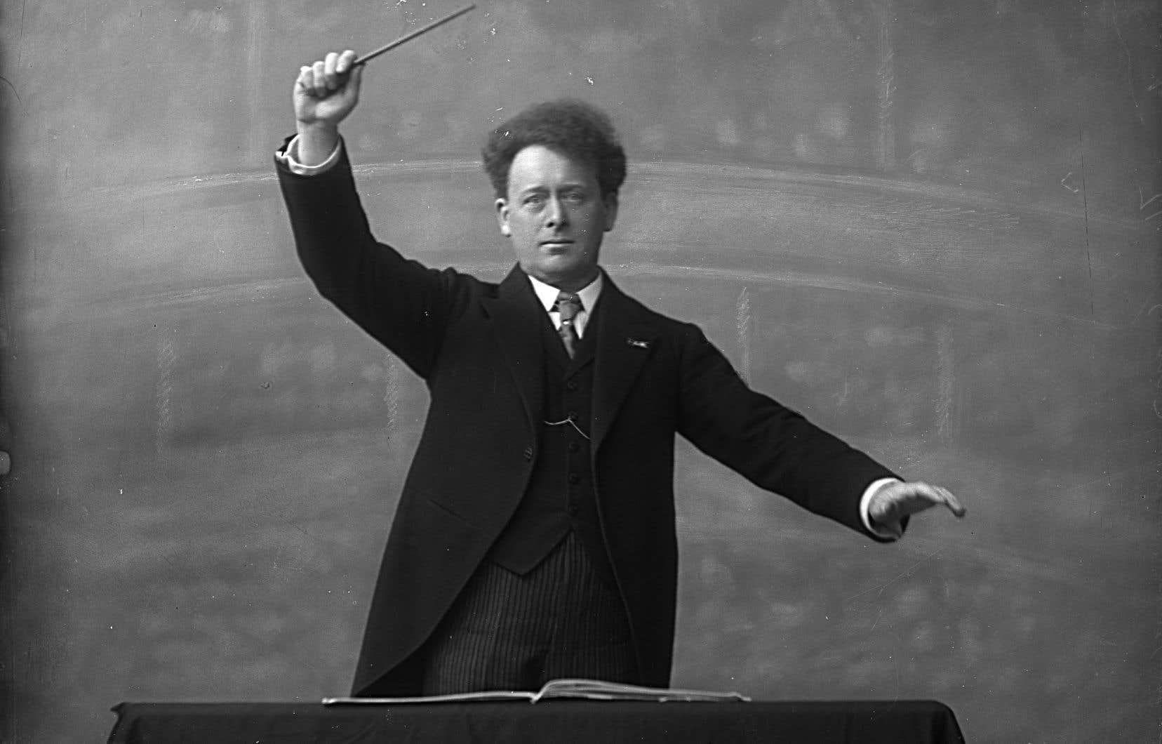 Willem Mengelberg, chef hyperexpressif d'Amsterdam, était l'une des légendes de la direction d'orchestre d'avant-guerre. Le voici en 1919.