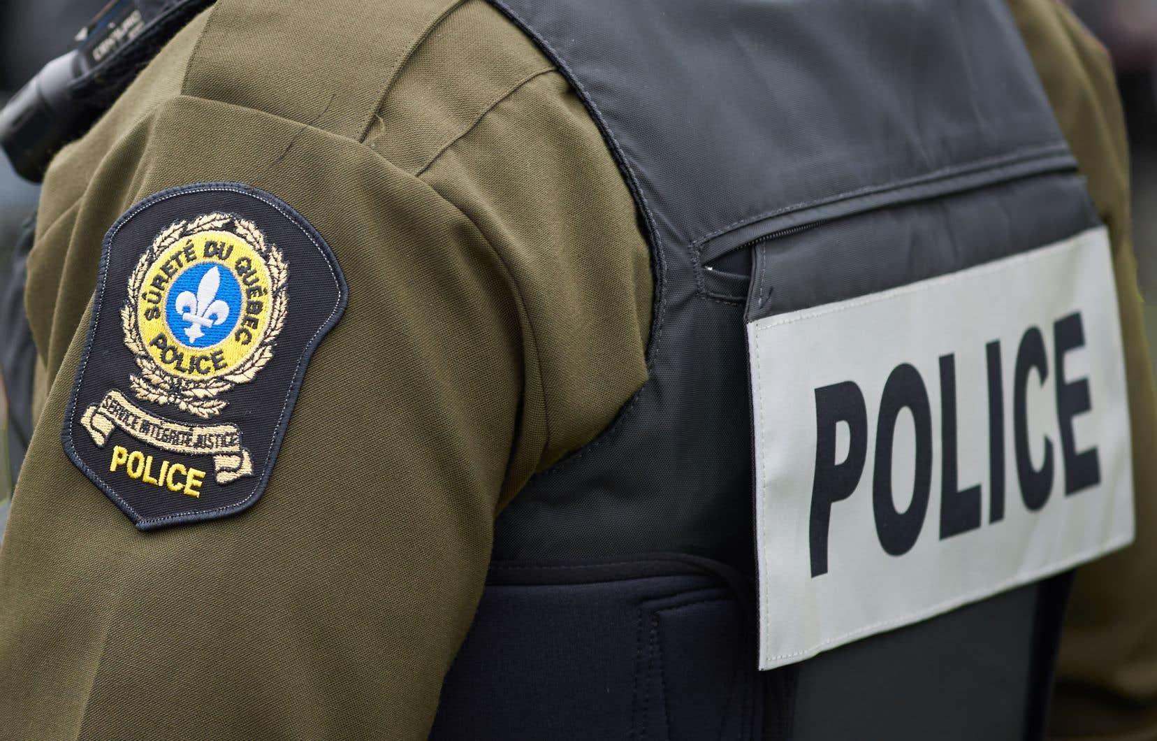 La police a constaté que la plupart des personnes qui se sont présentées sur place provenaient de l'extérieur de la région de Québec.