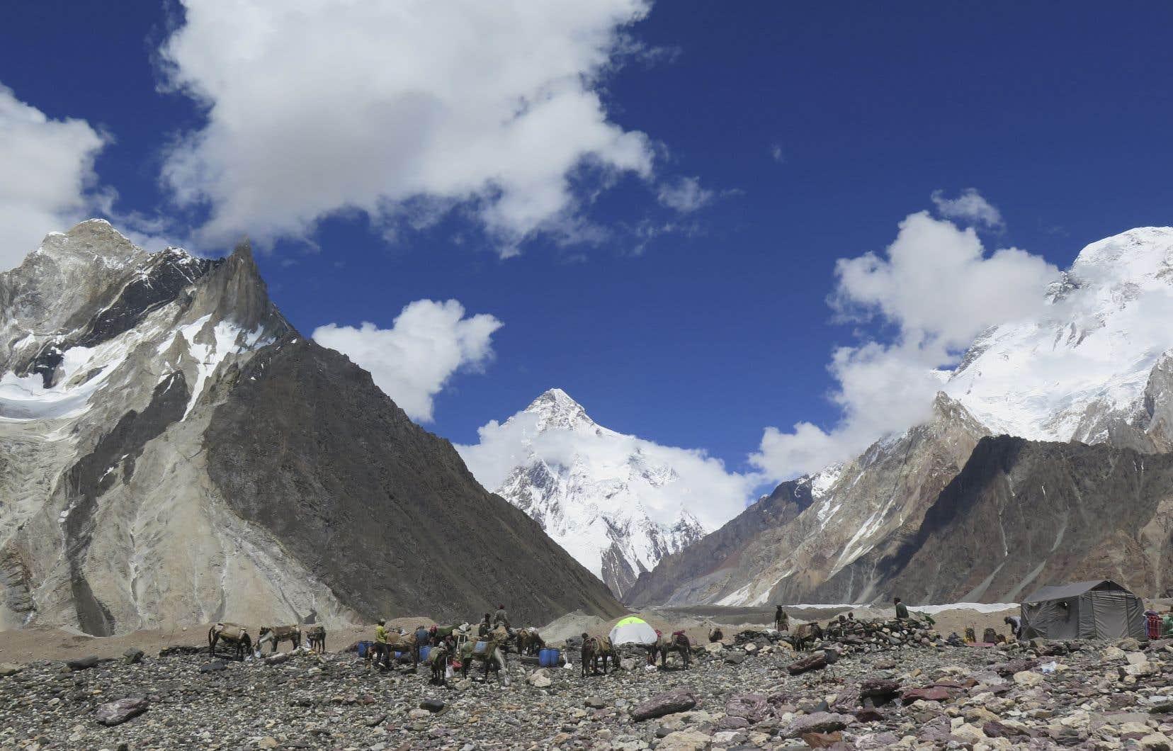 Une poignée seulement d'expéditions hivernales avait jusqu'ici été menée, depuis la première tentative en 1987-1988.