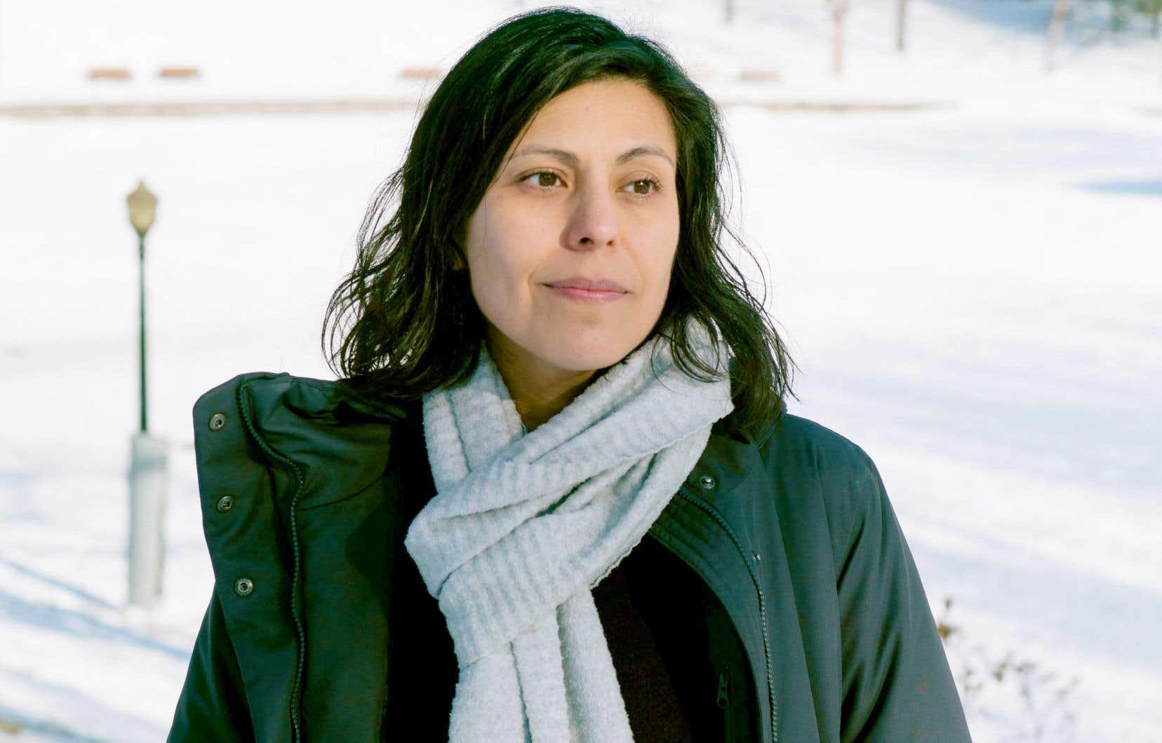 Le premier roman de Caroline Dawson raconte en une suite d'épisodes de quelques pages le quotidien d'une famille de réfugiés.
