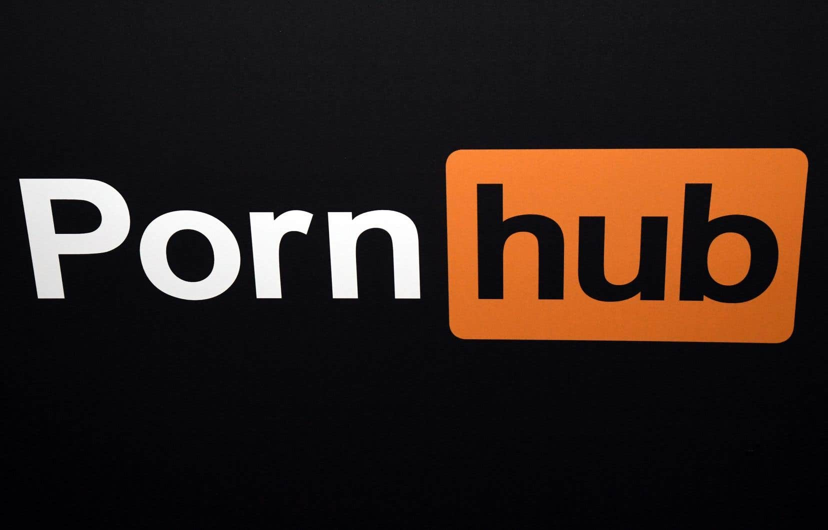 La requête en justice rappelle que PornHub a permis jusqu'à tout récemment à des utilisateurs non vérifiés de mettre en ligne leurs propres vidéos sur ses plateformes.