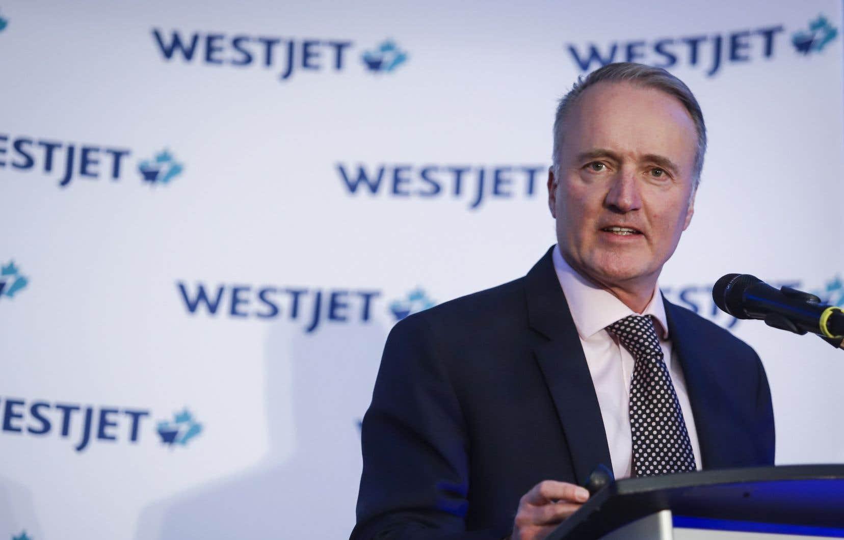 «L'industrie du voyage et ses clients sont encore une fois victimes d'une politique gouvernementale qui manque de cohérence et de constance», déplore le chef de la direction de WestJet, Ed Sims.