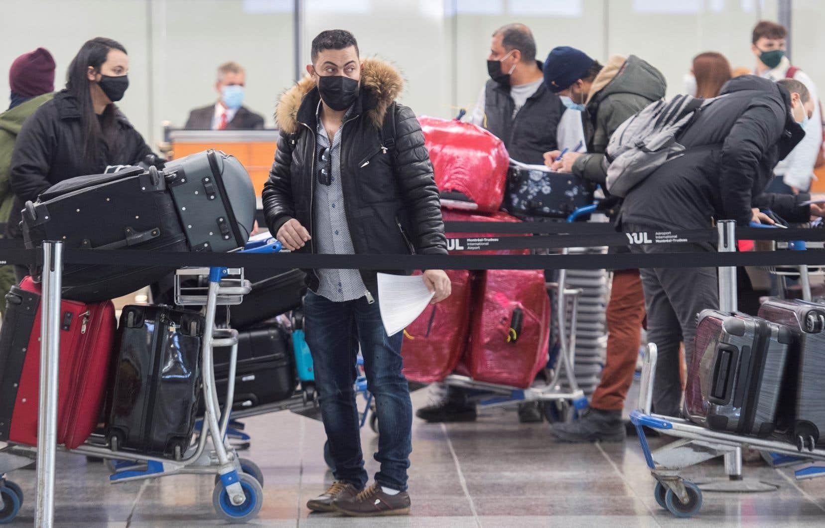 L'année 2020 nous a rappelé à quel point l'encadrement de la mondialisation est déficient au Canada. À commencer, avec la pandémie de COVID-19, par la gestion inepte de nos frontières par Ottawa, qui permet encore les voyages non essentiels, déplore l'auteur.