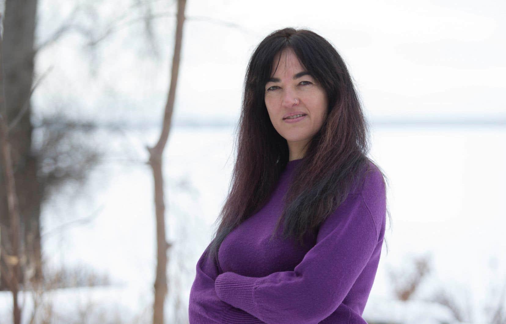 L'activiste et artiste pluridisciplinaire Émilie Monnet