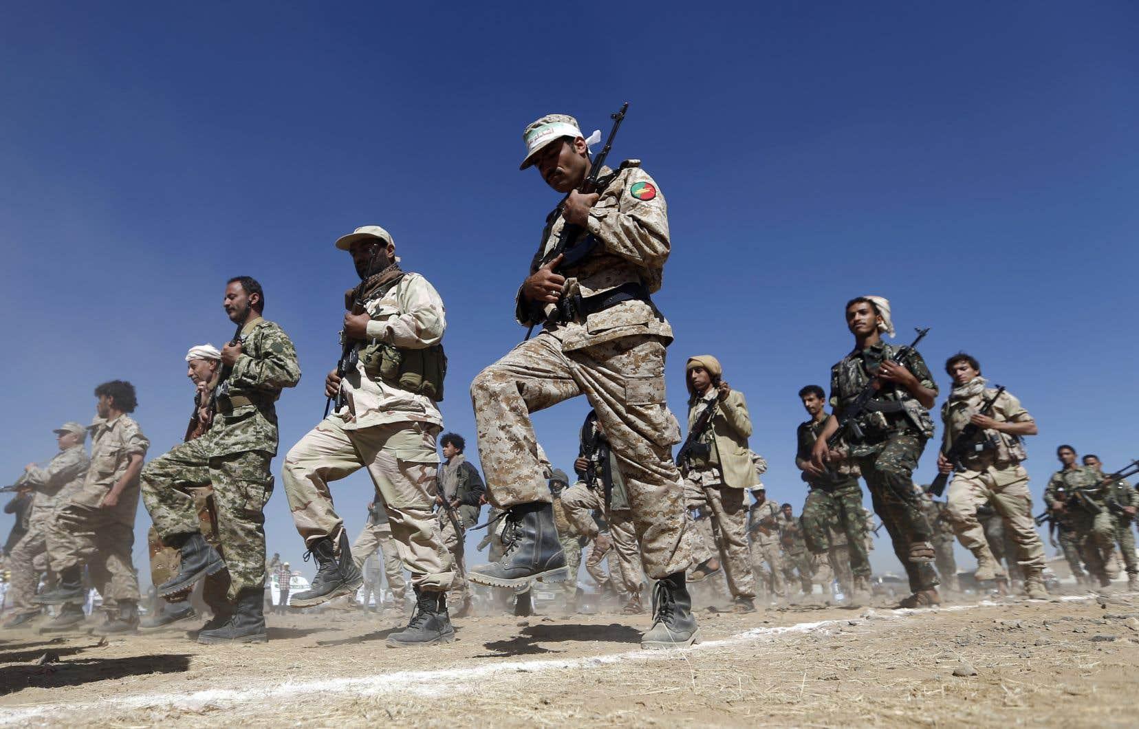Les Houthis sont appuyés politiquement par l'Iran, ennemi des États-Unis et rival régional de l'Arabie saoudite.