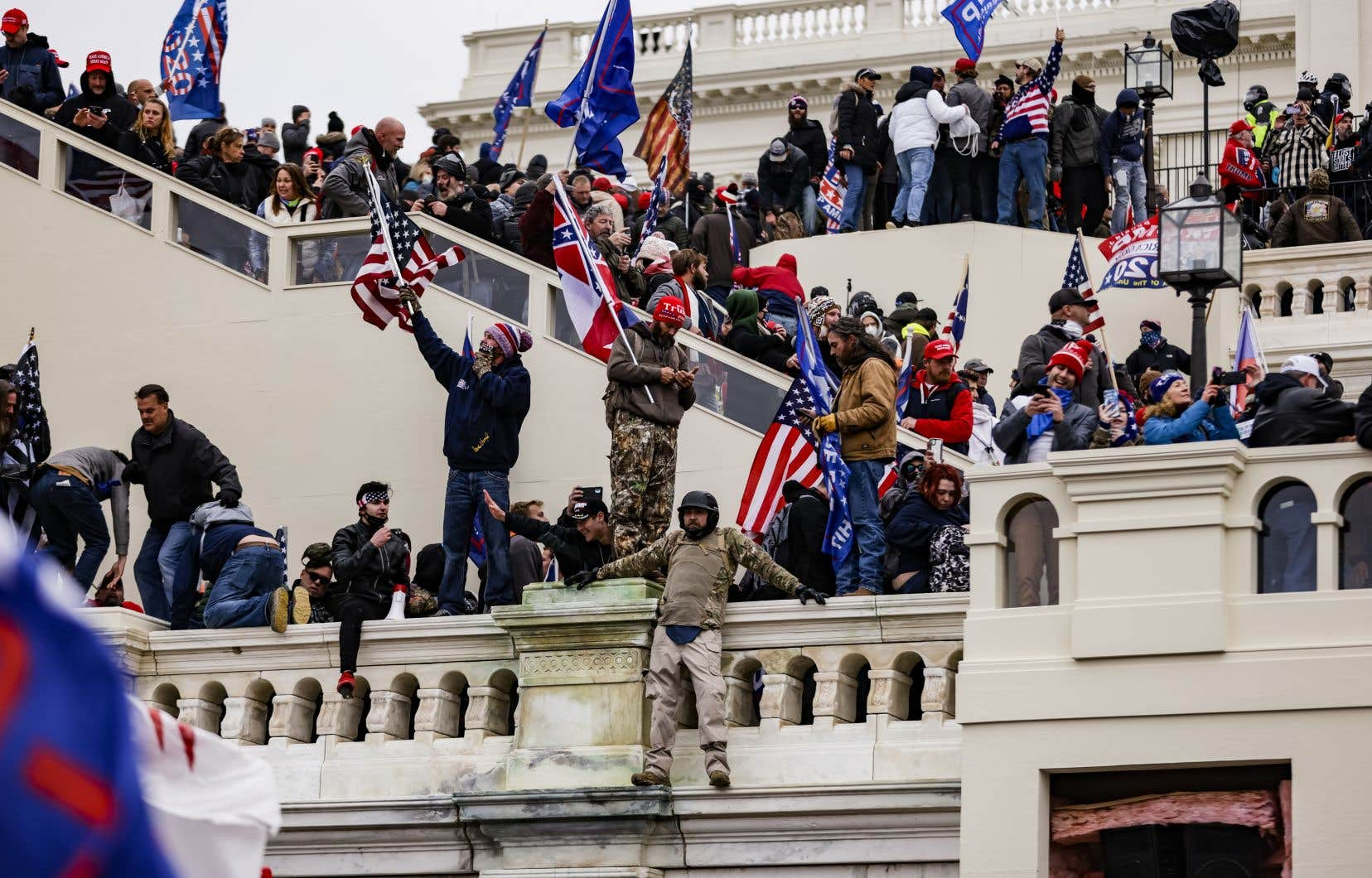 L'attaque du dôme de la démocratieaméricaine par les partisans de Donald Trump semble avoir ébranlé les consciences dans plusieurs institutions et entreprises aux États-Unis.