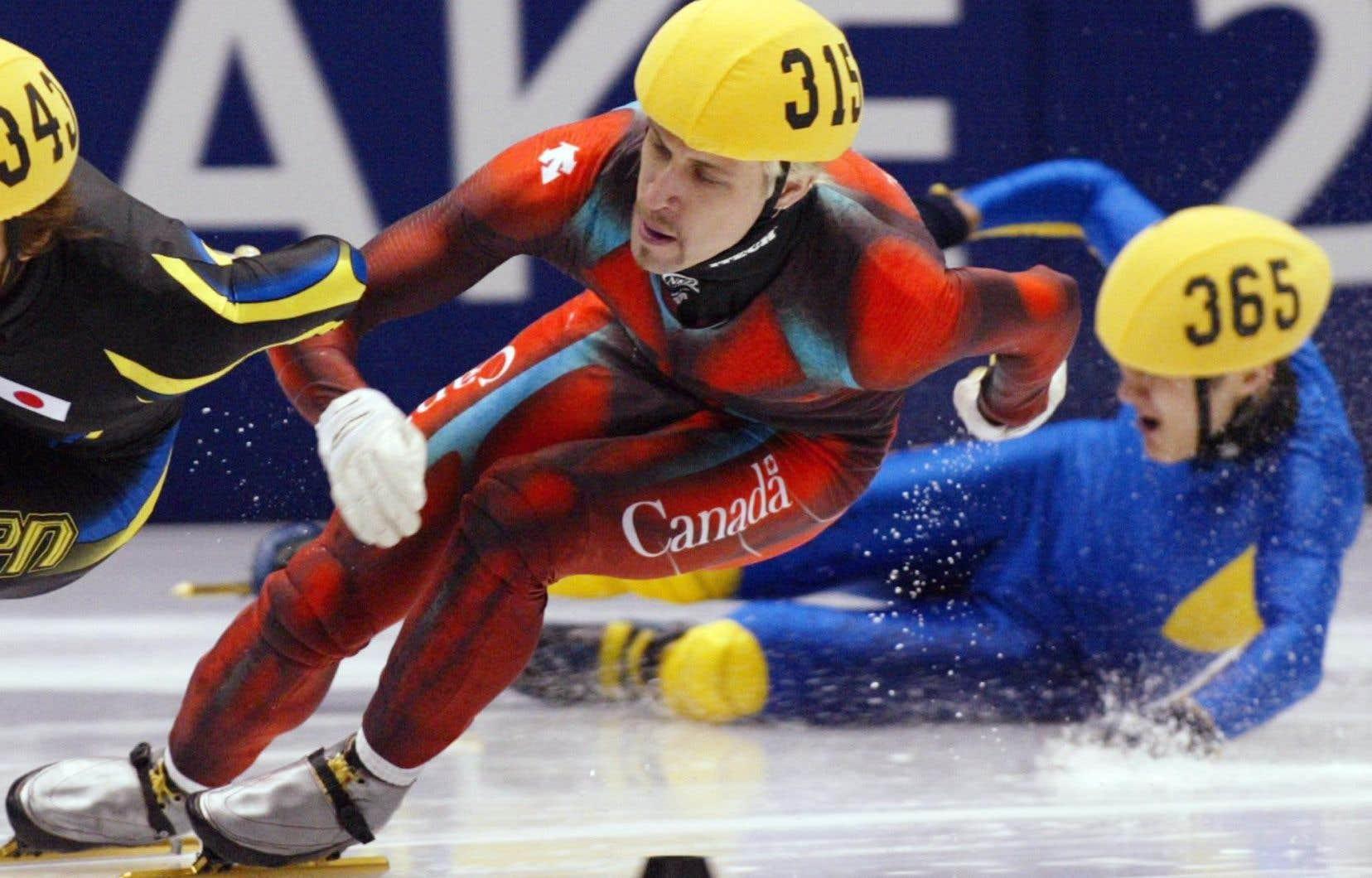 Quintuple médaillé olympique, Marc Gagnon faisait partie du personnel d'entraîneurs du CRCE depuis 2010.