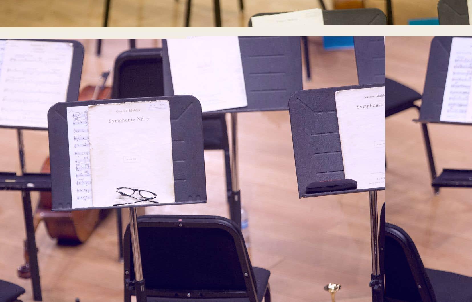 <p>Lles deux orchestres montréalais annoncent leurs fins d'hiver en communiquant des programmes de webdiffusions.</p>