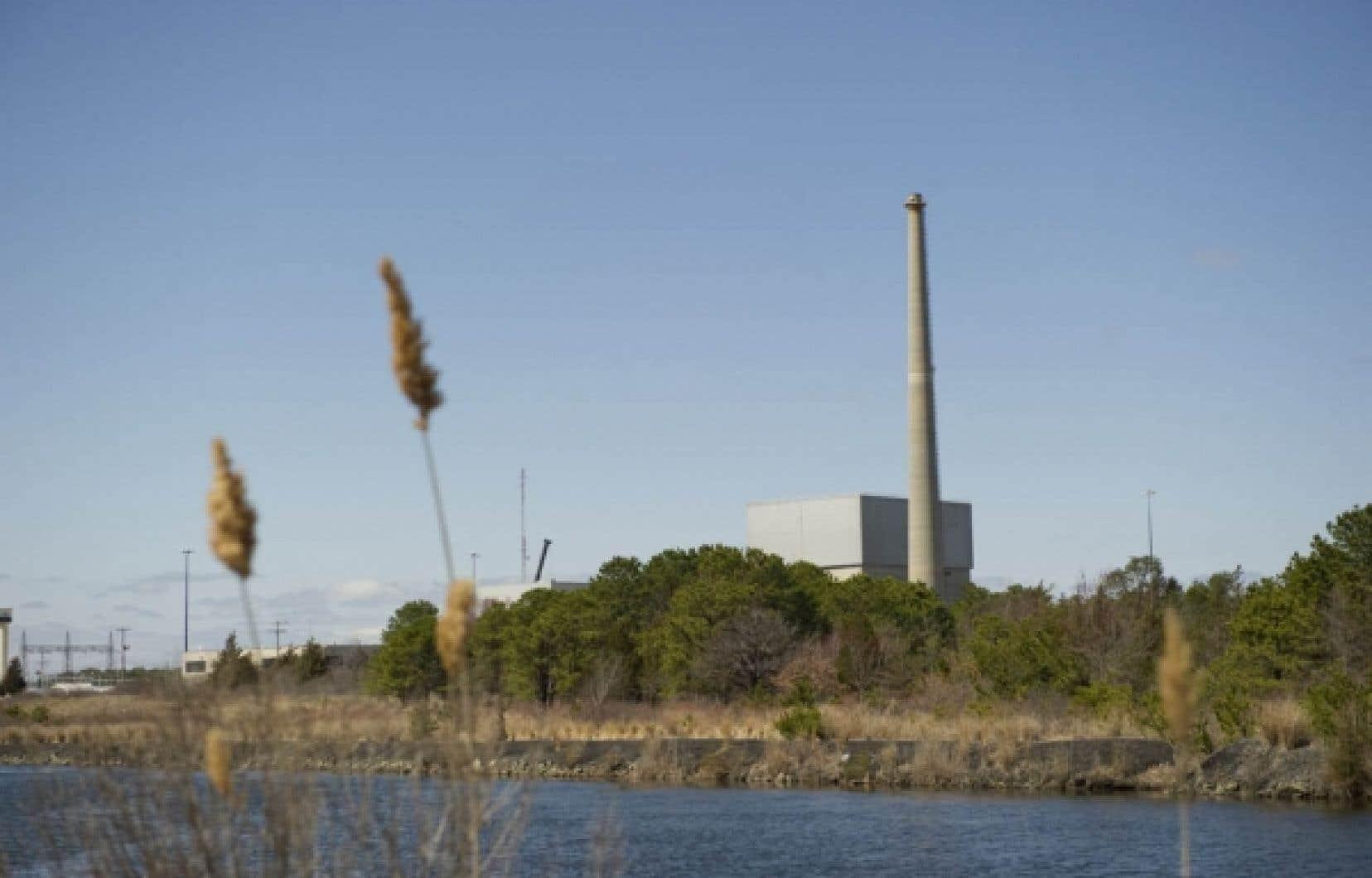La centrale nucléaire d'Oyster Creek, dans le New Jersey. Un sondage du Pew Research Center for People & the Press indique que 52 % des Étasuniens s'opposent désormais à l'essor du nucléaire.