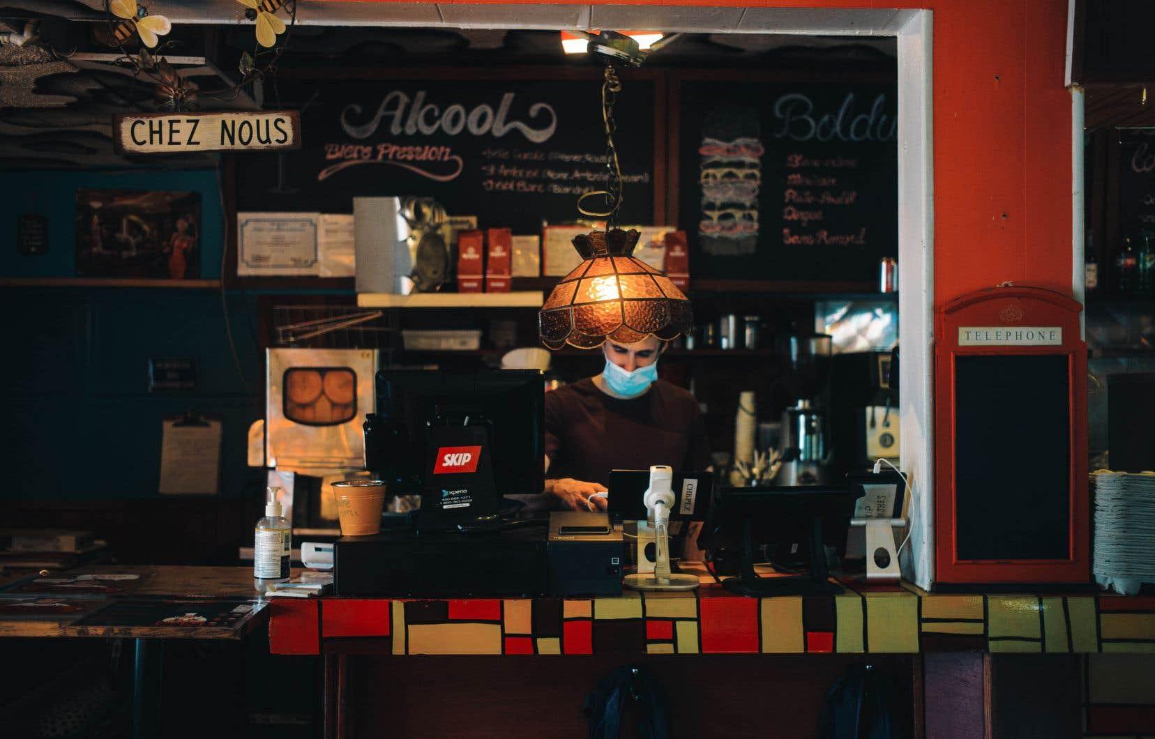 De nombreux Québécois ne réalisent pas que les restaurants peuvent encore faire de la livraison après 20h, selon l'Association Restauration Québec.