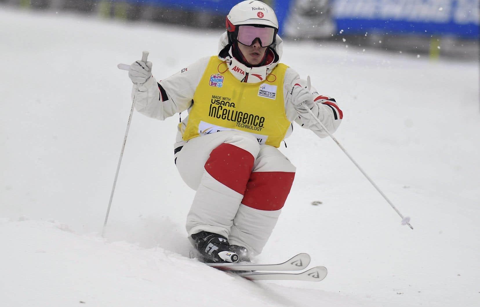 Mikaël Kingsbury lors de la Coupe du monde de ski acrobatique à Lake Placid en janvier 2019