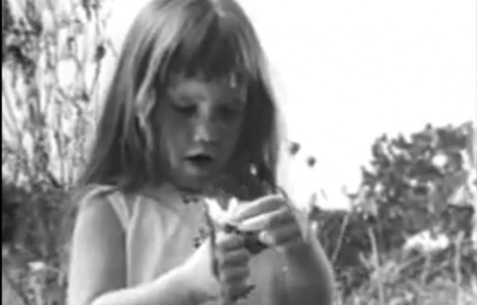 1964 Daisy est au cœur de la première «vraie» publicité négative télévisée. Lyndon B. Johnson y cultivait la peur à propos du candidat républicain qui avait évoqué la possibilité d'utiliser l'arme nucléaire contre les communistes au Vietnam.<br />