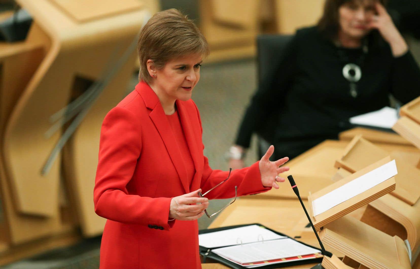 La première ministre écossaise, Nicola Sturgeon, qui est aussi la cheffe de file des indépendantistes du SNP (Parti national écossais).