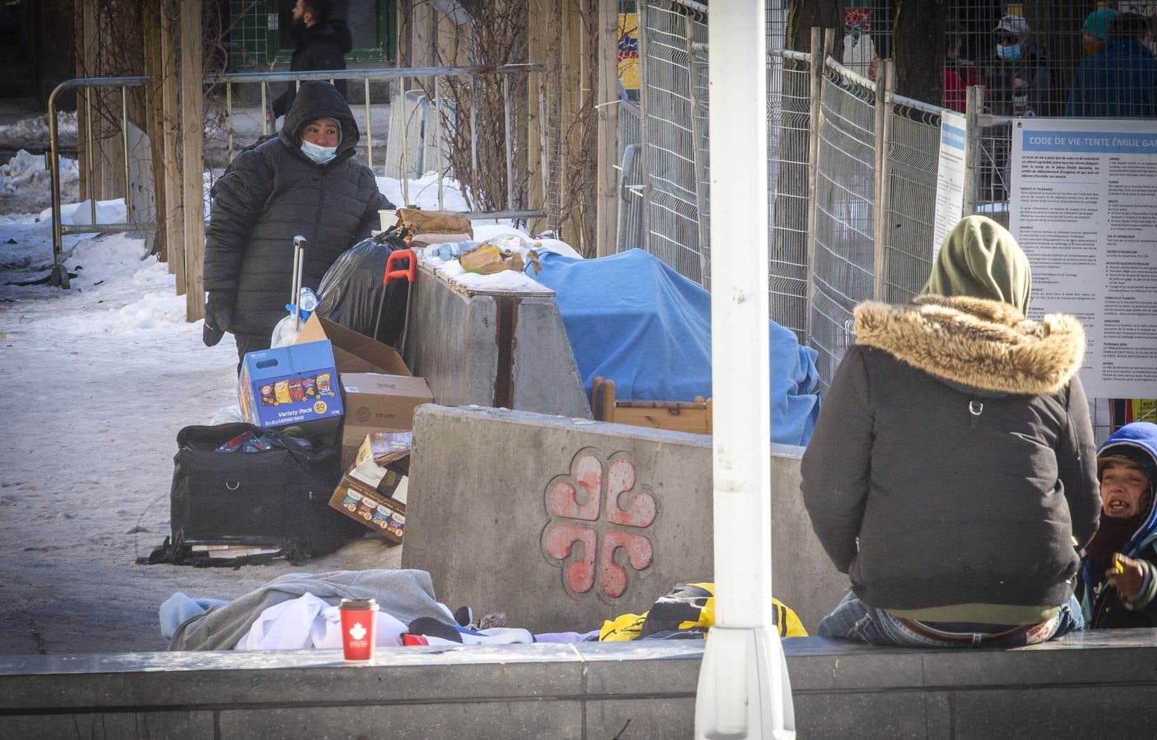 La Clinique juridique itinérante a déposé une requête en Cour supérieure pour forcer Québec à exempter les sans-abri de l'application du couvre-feu.