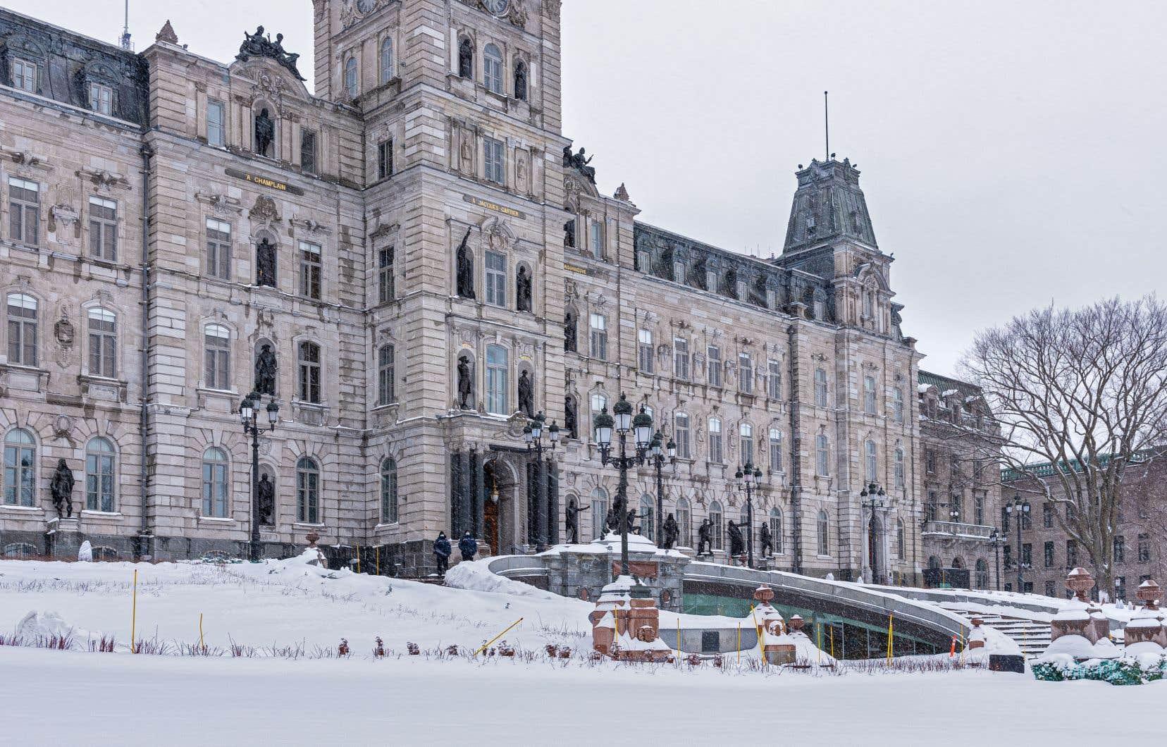 Québec tarde également à annoncer ce qu'il compte faire des sommes qu'il a lui-même promises.