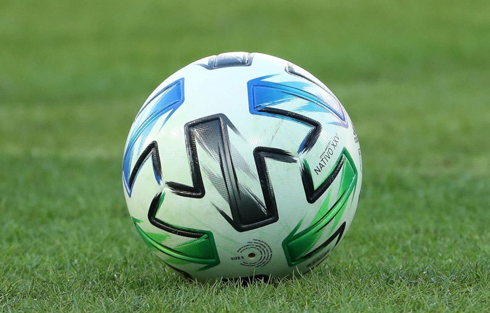Le calendrier sera dévoilé dans les prochaines semaines, comprenant notamment un match des étoiles prévu à la fin de l'été.