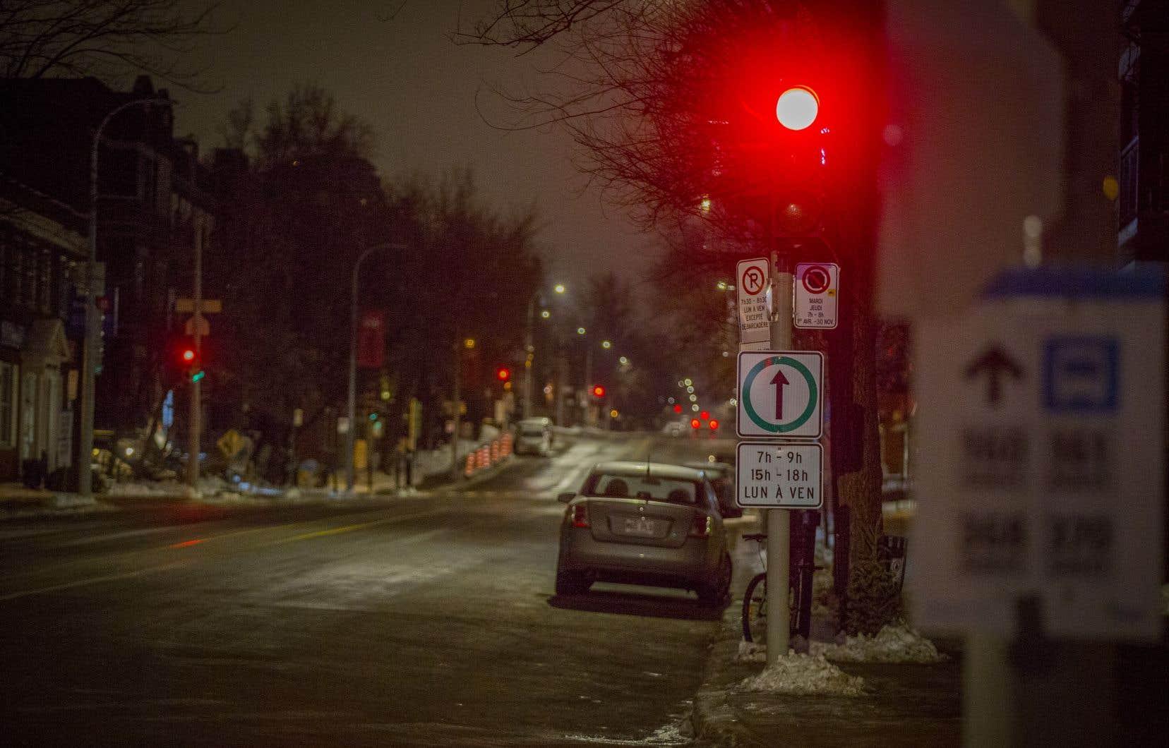 Le BINAM étudie actuellement la possibilité que l'attestation d'identité délivrée par la ville soit reconnue auprès du Service de police de Montréal (SPVM) comme pièce d'identité officielle afin de limiter les facteurs de vulnérabilité des personnes à statut précaire.