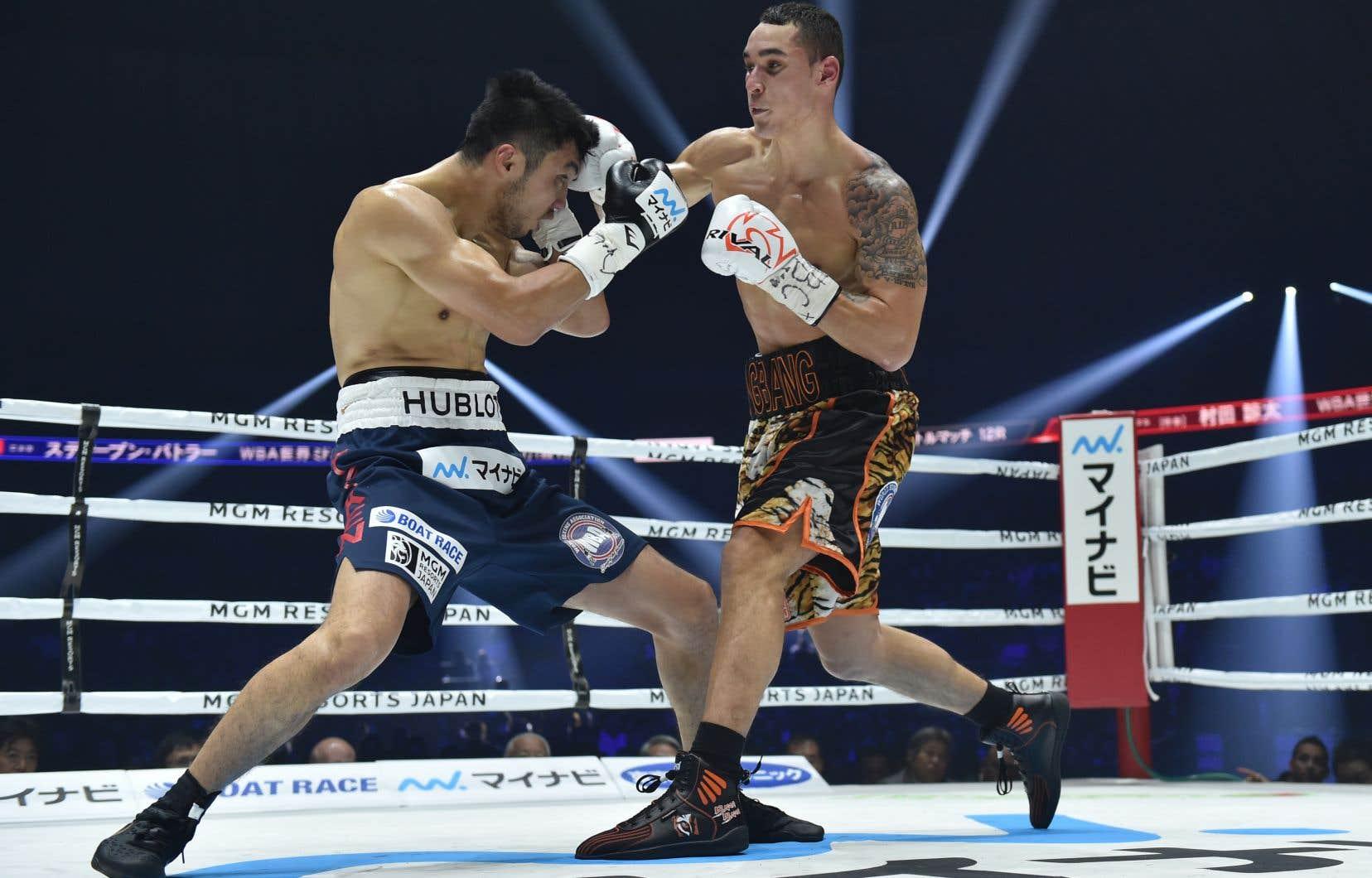 Steven Butler, à droite, lors de son combat contre Ryota Murota en décembre 2019