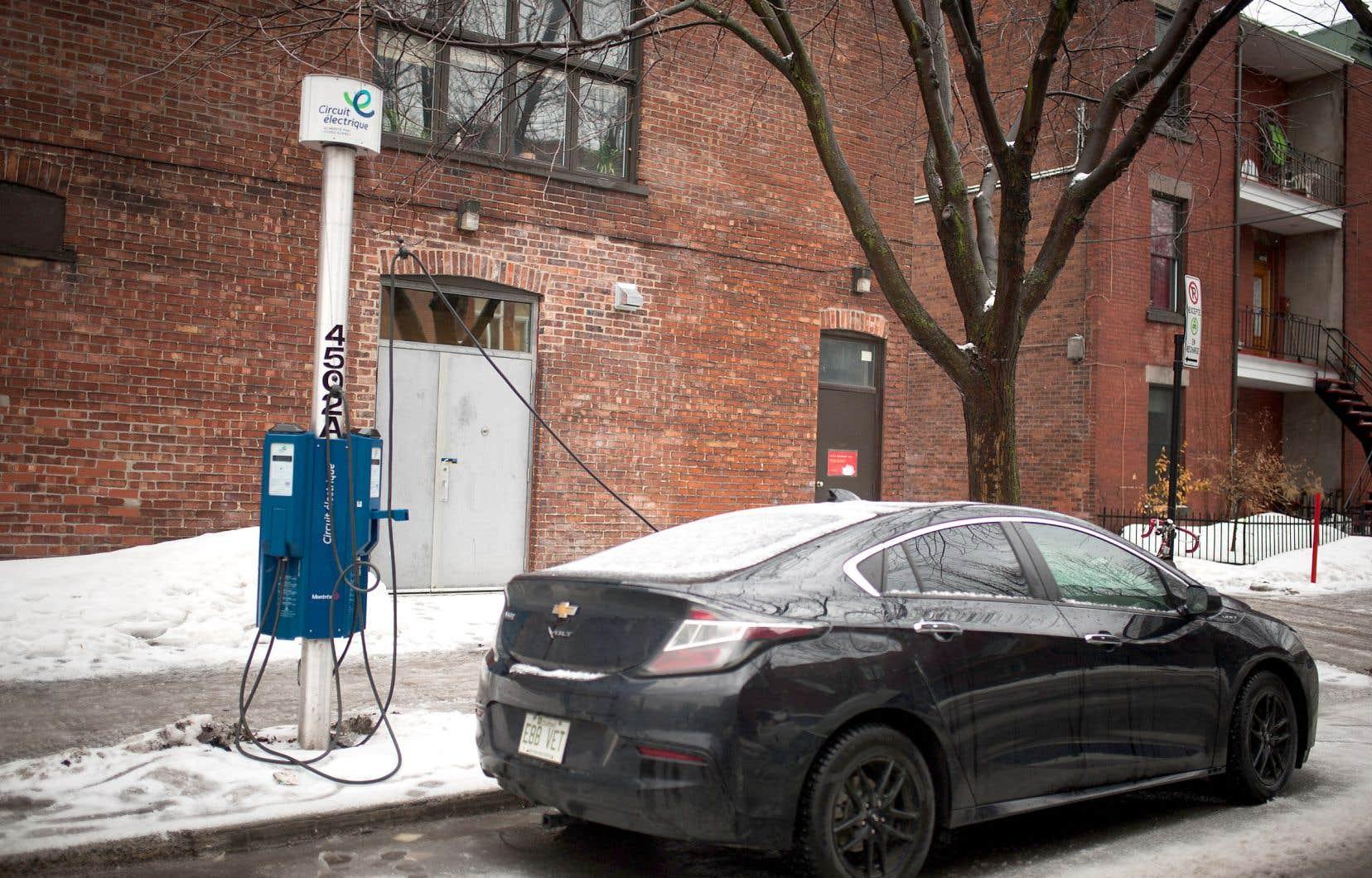 Fondée en 2009, AddÉnergie a livré plus de 35 000 bornes à ce jour, dont la presque totalité des bornes du Circuit électrique.