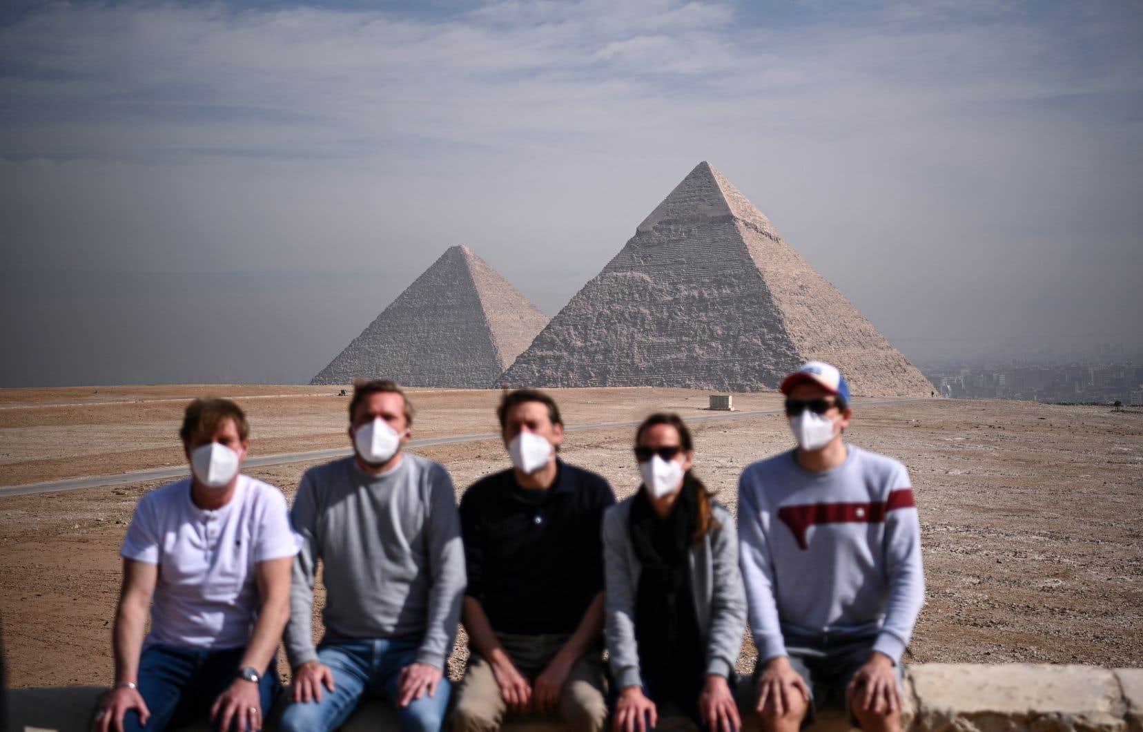 Le secteur touristique mondial a subi les contrecoups des restrictions de déplacements provoquées par la pandémie de COVID-19.
