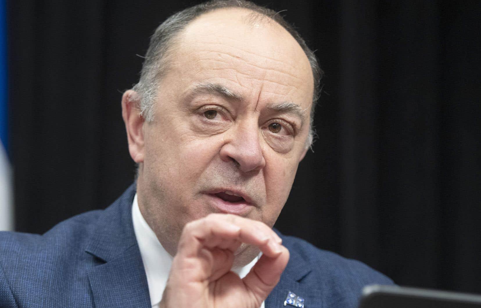Les hôpitaux pourront bientôt recommencer à planifier des chirurgies, selon les régions, a indiqué le ministre de la Santé, Christian Dubé.