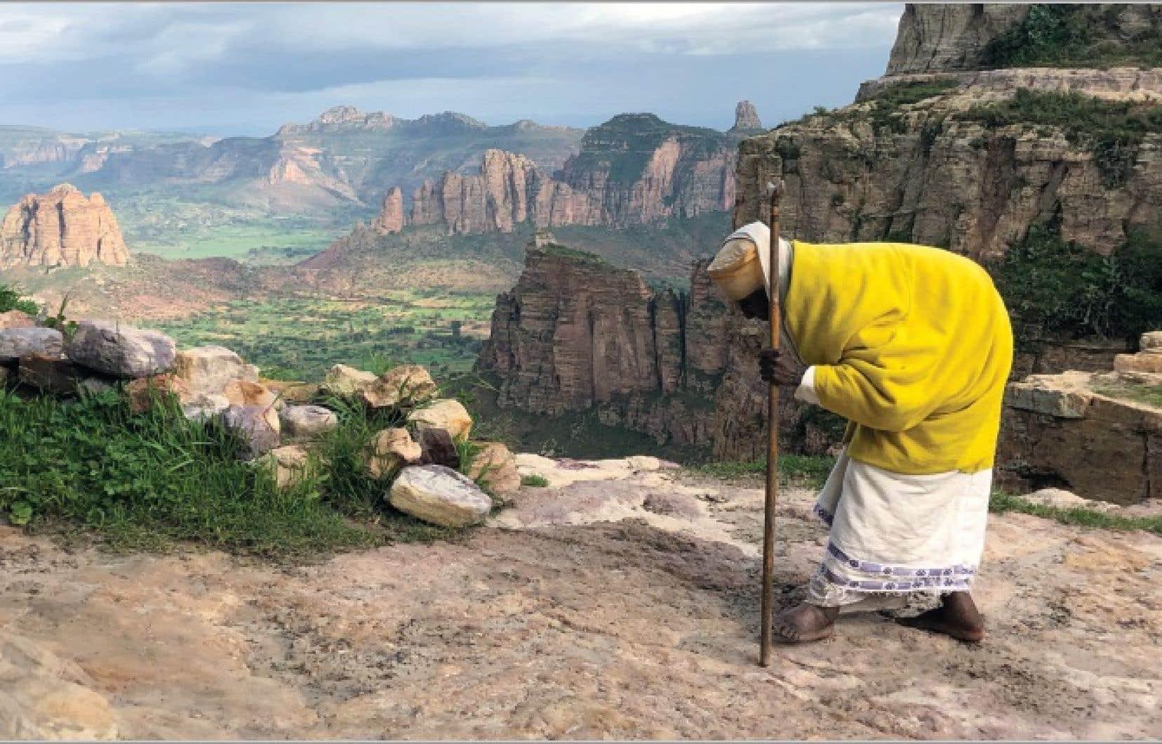 Un vieil ermite copte orthodoxe dans la région du Tigré, en Éthiopie, rencontré par le philosophe Frédéric Lenoir