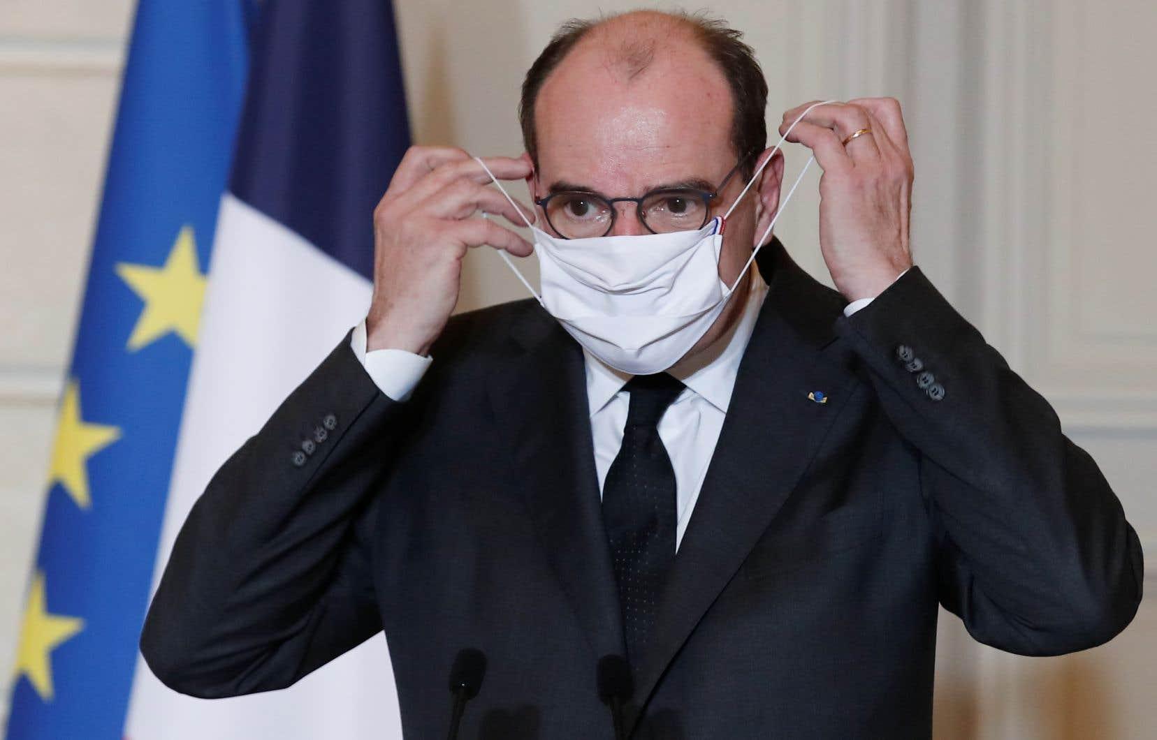 «Toute entrée en France et toute sortie de notre territoire à destination ou en provenance d'un pays extérieur à l'Union européenne sera interdite, sauf motif impérieux, à partir de minuit dimanche», a annoncé le premier ministre Jean Castex.