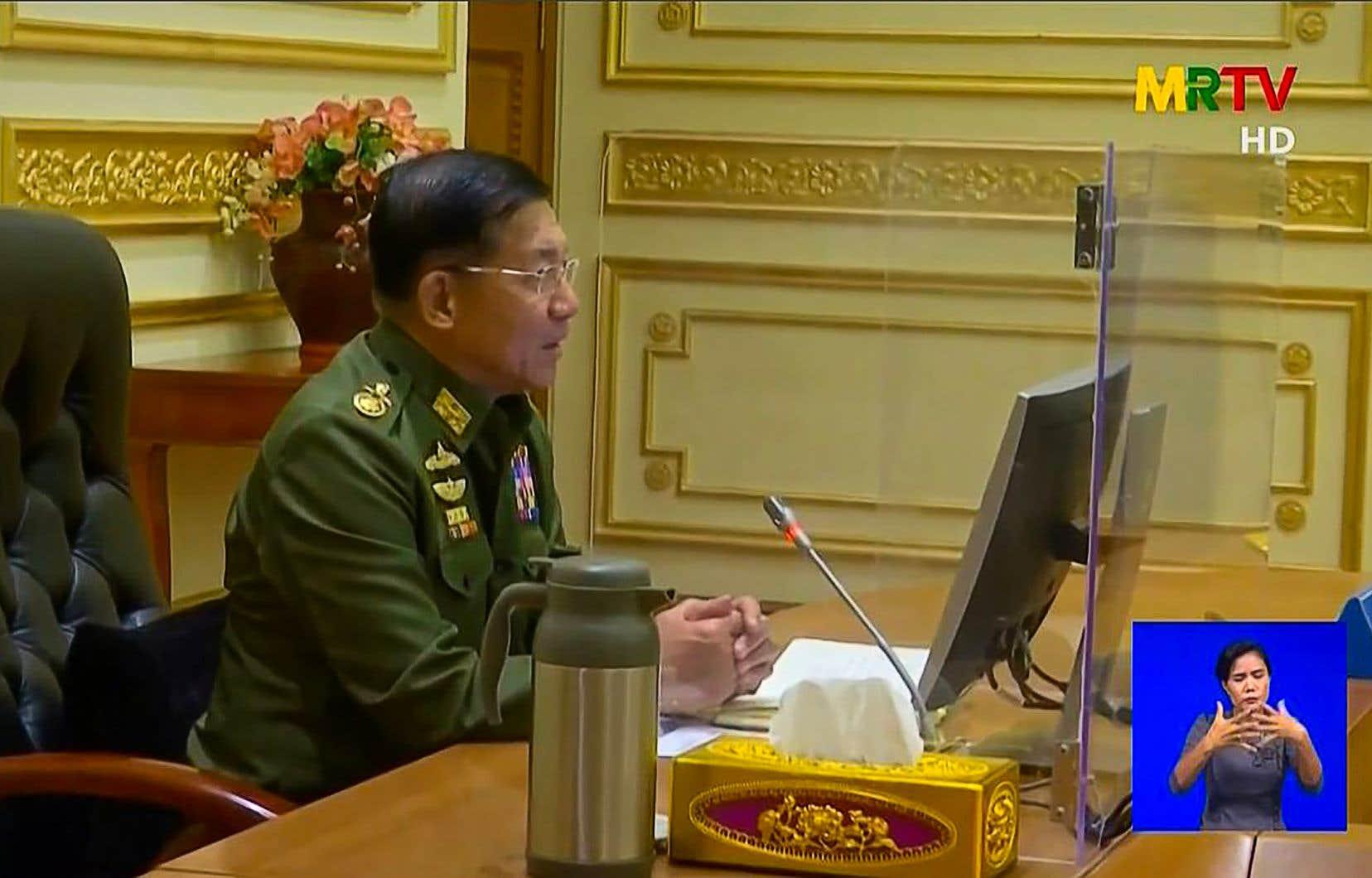 «Cette issue était inévitable pour le pays et c'est pourquoi nous avons dû la choisir», a déclaré le général Min Aung Hlaing, selon la page Facebook officielle de l'armée.