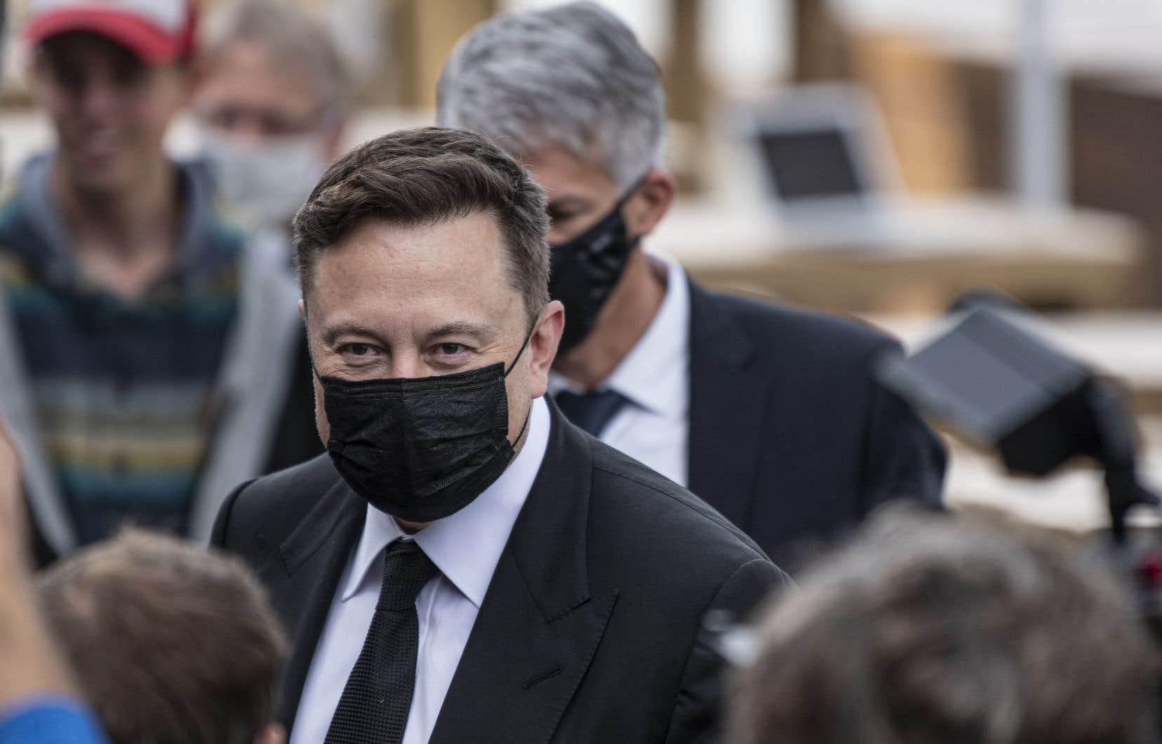 Le milliardaire Elon Musk est devenu début janvier l'homme le plus riche du monde sur papier grâce à la flambée boursière de Tesla.