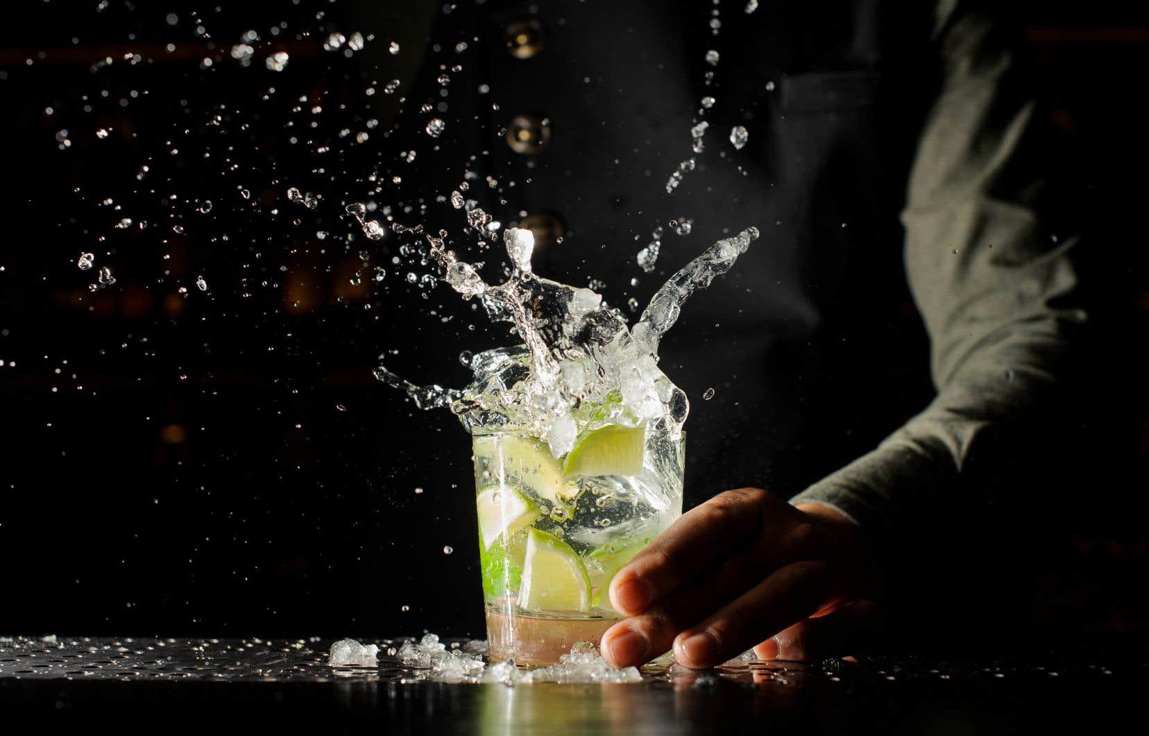 Que ce soit pour des raisons de santé ou simplement pour diminuer sa consommation d'alcool, de plus en plus de gens cherchent des options sans alcool lorsque vient le temps de prendre un verre.