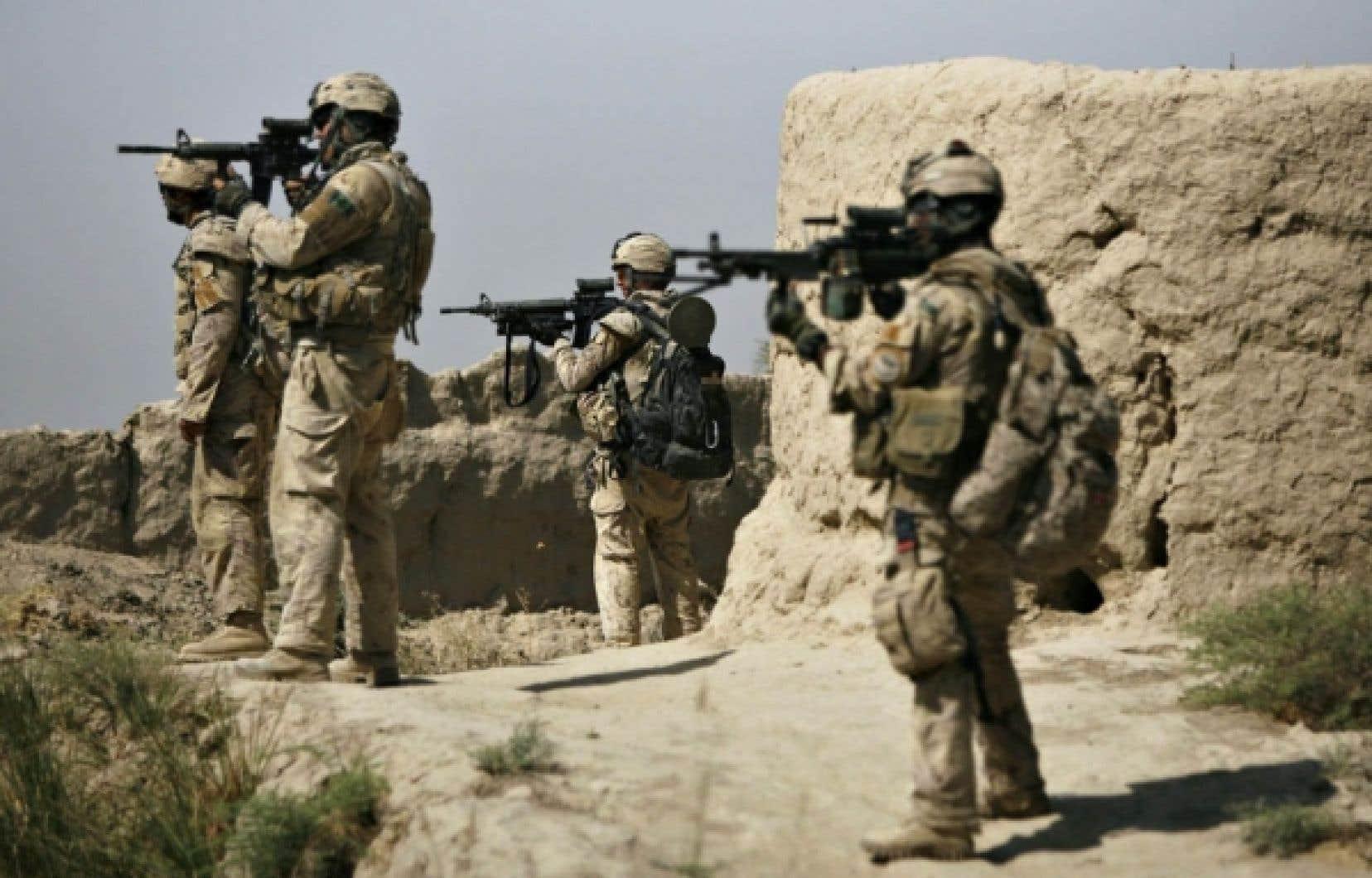 Soldats canadiens en Afghanistan. L'armement est pratiquement le seul secteur d'activité exclu d'emblée de tout investissement socialement responsable.
