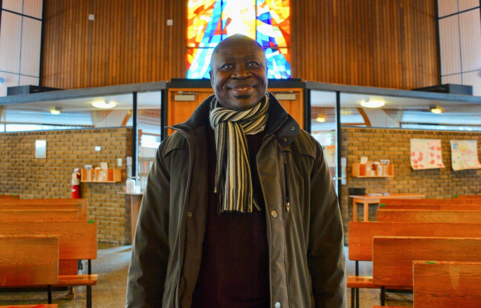 L'action religieuse de Rodhain Kasuba débute en 1999, dans les petits villages au nord de Gatineau. Depuis, il a vu l'Église d'ici changer, tout comme la couleur des prêtres. «Quand je suis arrivé, on était 2 prêtres africains. Maintenant, on est au moins 14.»
