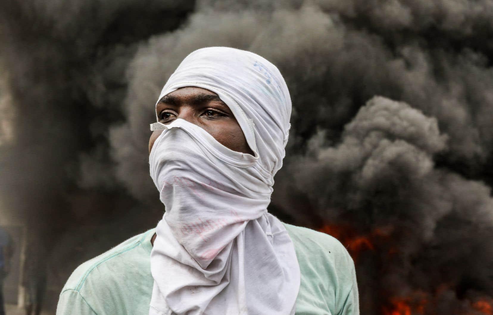 Port-au-Prince a été dimanche le théâtre de manifestations clairsemées émaillées de quelques échauffourées avec la police.