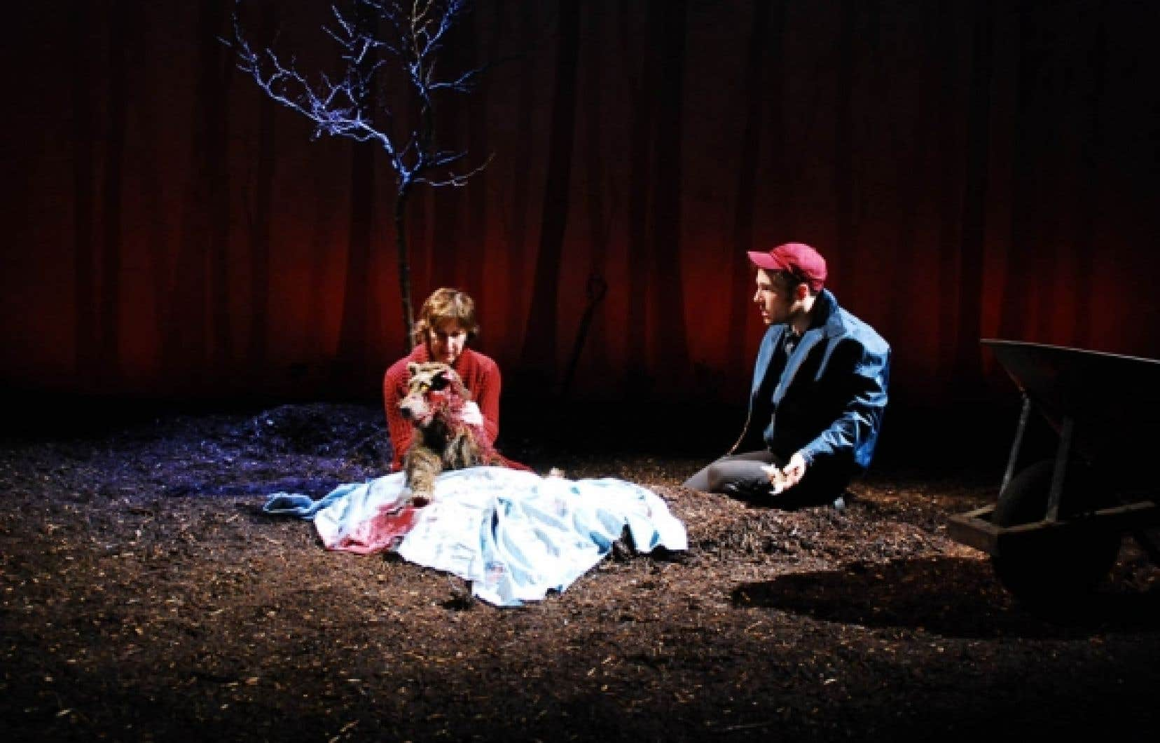 Transmissions, de Justin Laramée, témoigne de l'arrivée d'une nouvelle voix dans la dramaturgie québécoise.<br />