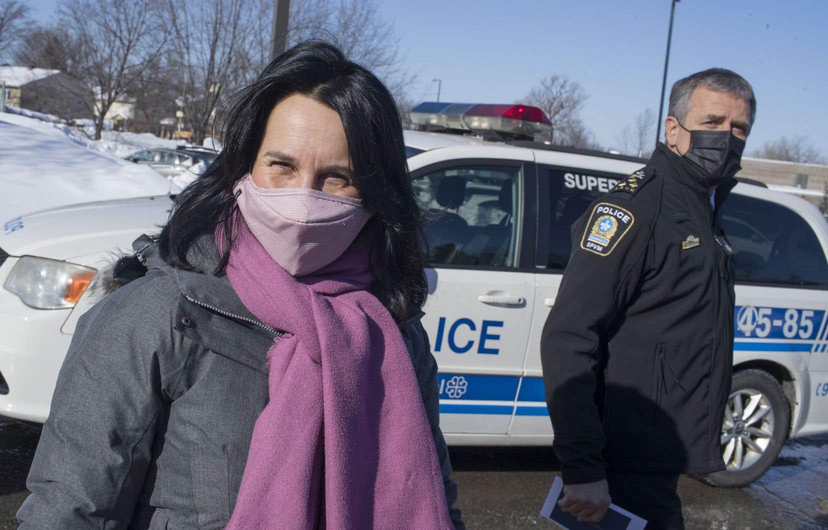 La mairesse Valérie Plante et le chef du SPVM, Sylvain Caron, avaient convié les médias jeudi matin à Rivière-des-Prairies.
