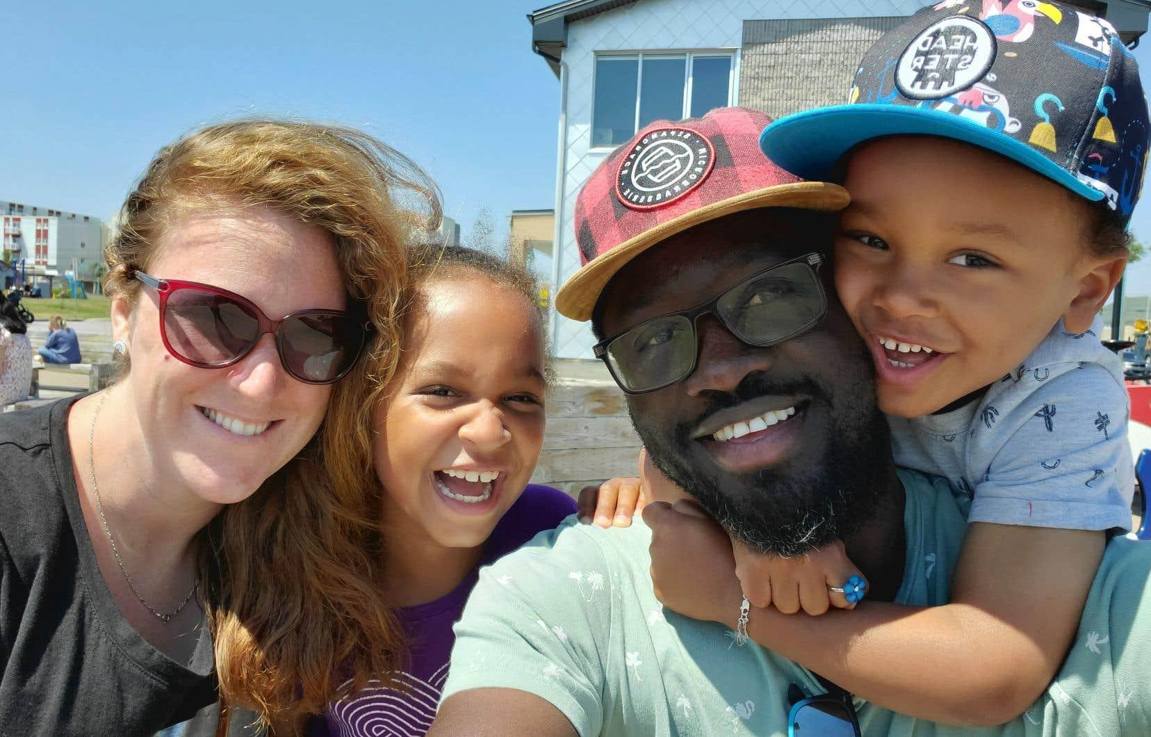 Gabrielle Basque Morin, Olivia Awa Diouf (8 ans), Christoph Boucar Diouf et Léopold Biram Diouf (5 ans)