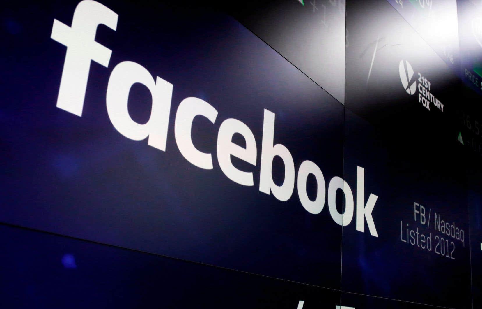 Le conseil de surveillance indépendant de Facebook doit rendre son avis sur le retour ou non de Donald Trump sur le réseau social d'ici la mi-avril.