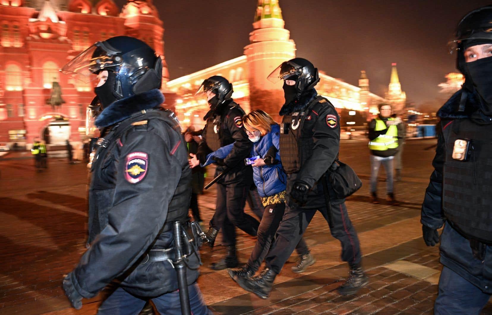Si une chute du régime se dessinait, Poutine pourrait être mis à l'écart et remplacé par un pouvoir autrement plus répressif.