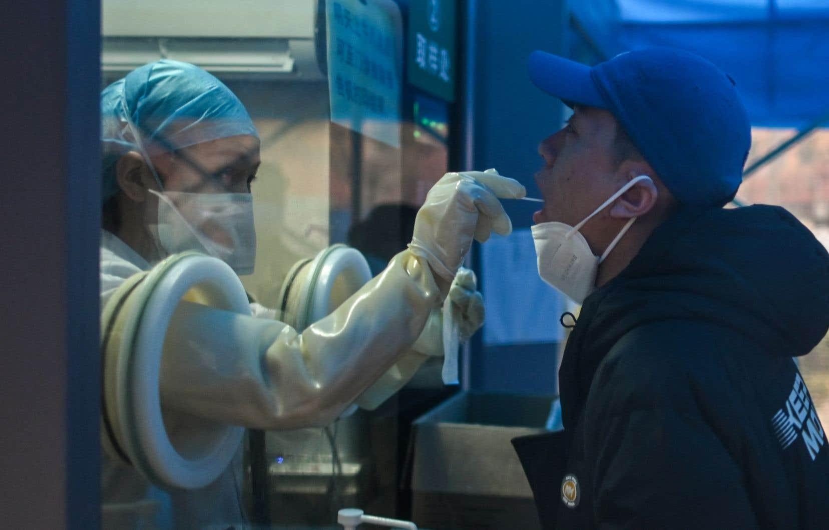 Les experts de l'OMS ne savent pas où et quand la pandémie a réellement commencé, même si aucun foyer d'importance n'a été signalé à Wuhan ou ailleurs avant décembre 2019.