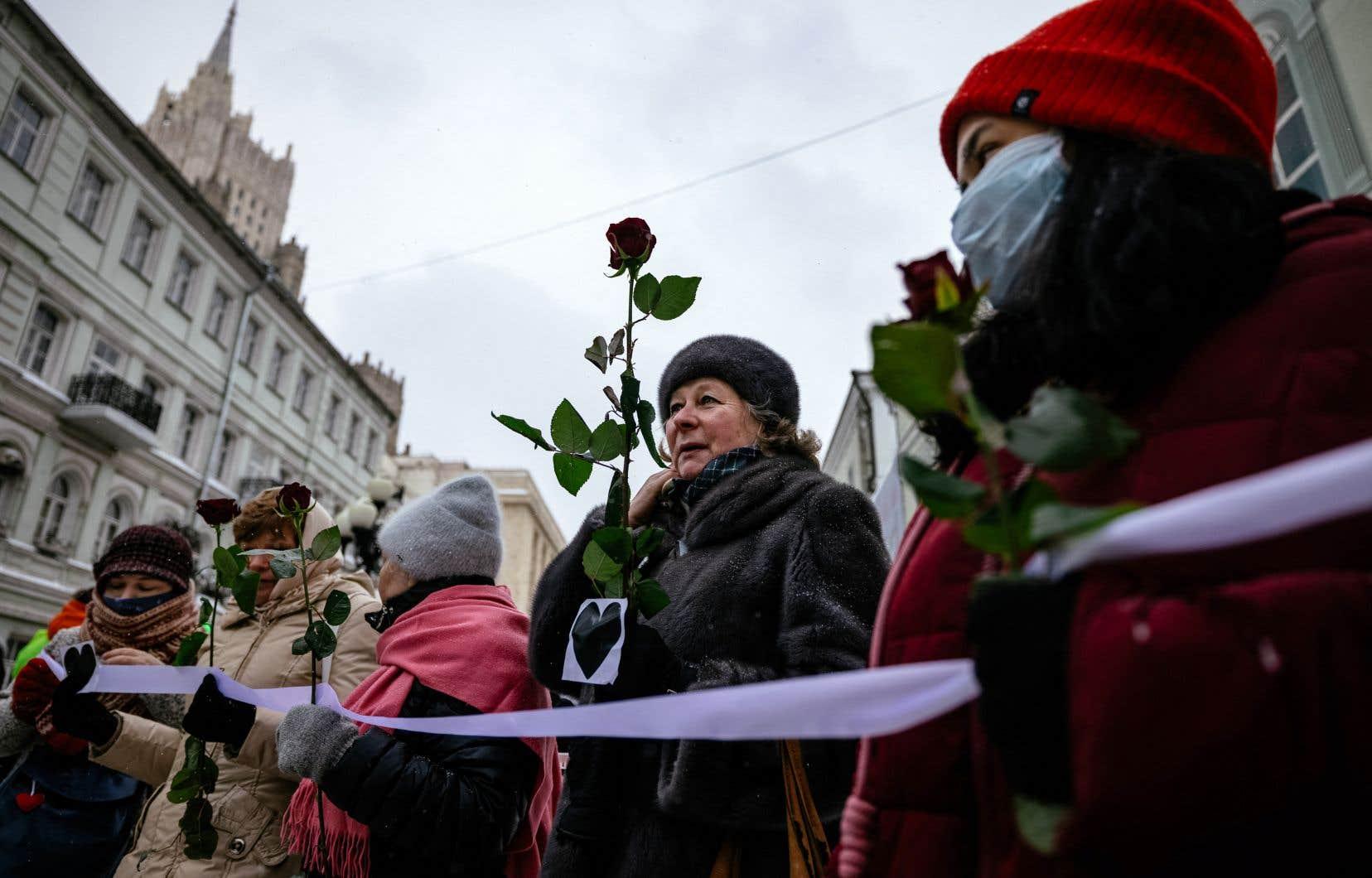 Le mot d'ordre de cette action pour la Saint-Valentin était «L'amour plus fort que la peur».