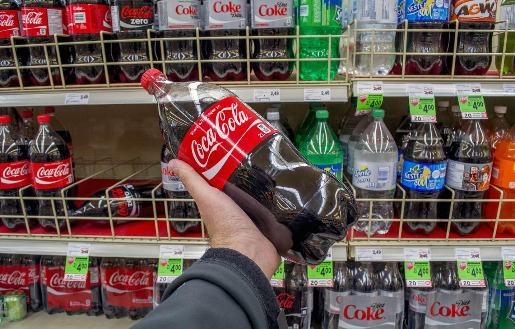 «Alors que la principale source de sucre dans l'alimentation des Québécois provient des boissons sucrées, la Coalition québécoise sur la problématique du poids recommande d'ajouter une taxe de 20¢ le litre sur celles-ci», écrivent les auteurs.