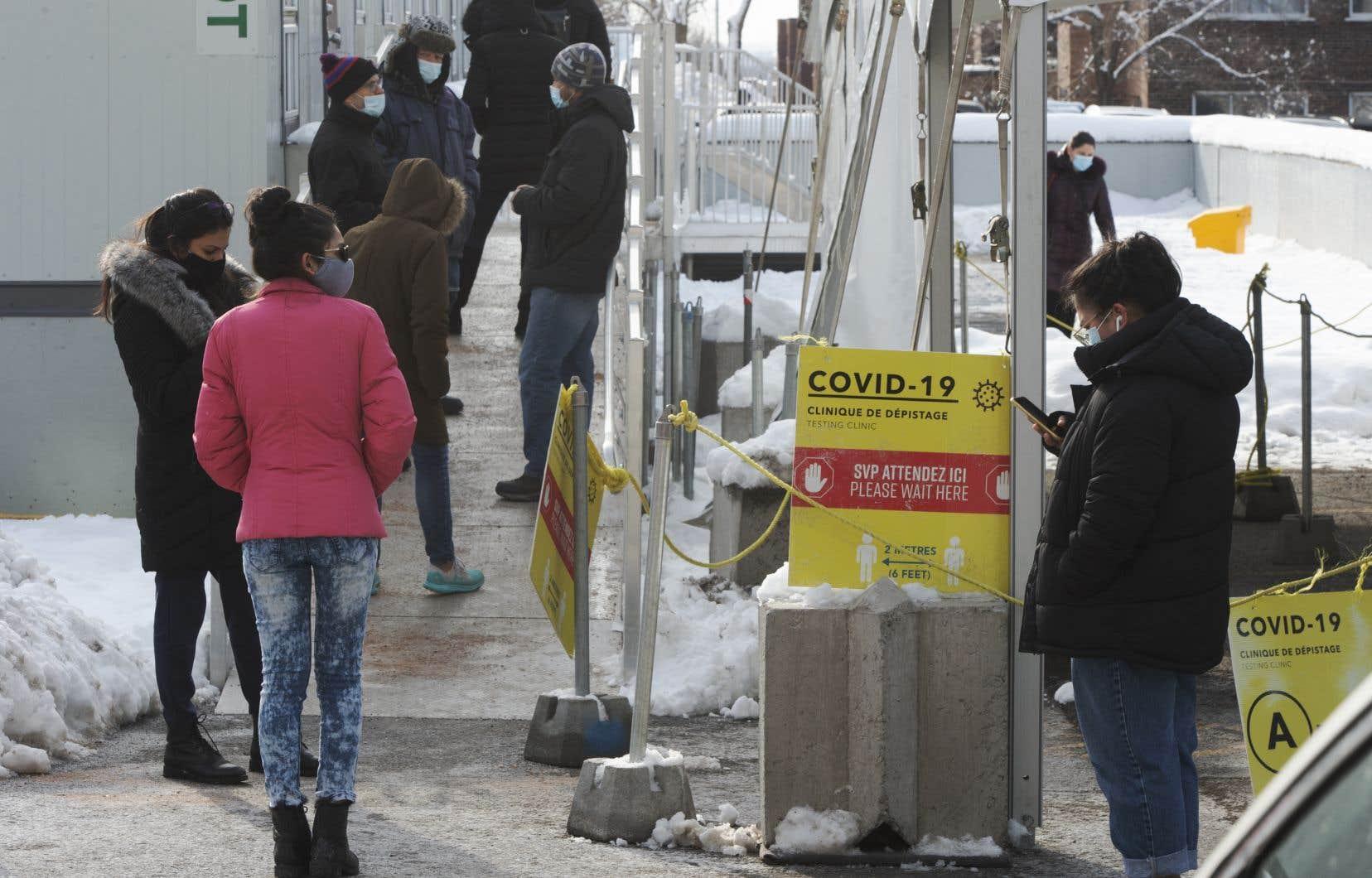 Lundi, près d'une centaine de cas d'infection liés à des variants avaient été recensés sur le territoire québécois, dont 16 confirmés par séquençage.