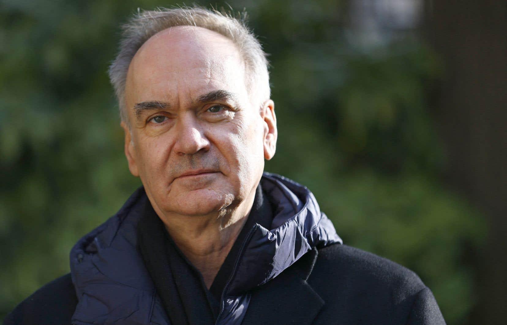 Hervé Le Tellier, à 63ans, avait plus de 20 titres derrière lui, tout en restant méconnu du grand public.