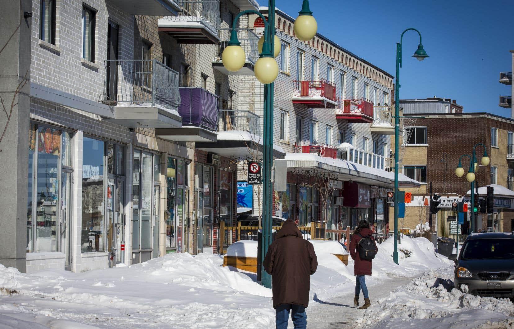 Pour certains commerçants de la rue Jean-Talon, à Saint-Léonard, les travaux de réaménagement à venir, qui risquent d'occasionner des fermetures de rues, sont un problème potentiel qui viendra s'ajouter à une artère déjà délaissée par les citoyens.
