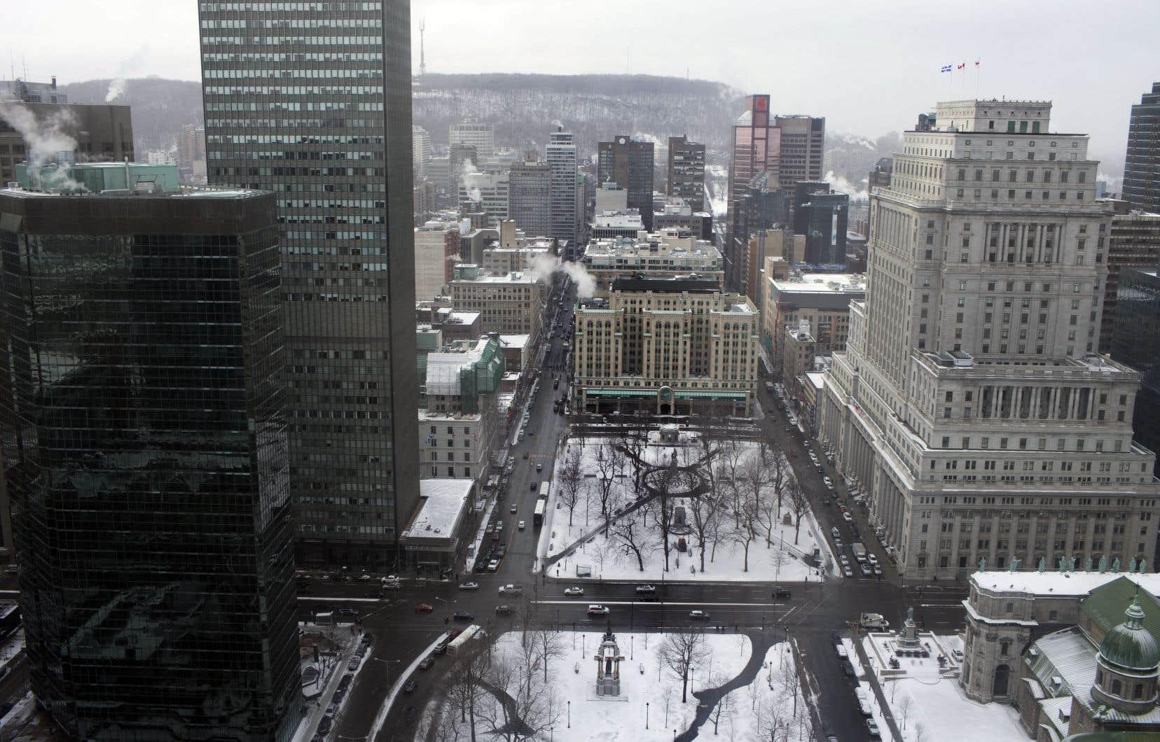 La crise frappe de plein fouet les tours de bureaux du centre-ville, faisant grimper le taux général d'inoccupation à 12,4% au quatrième trimestre de 2020, en hausse de 2,6 points de pourcentage par rapport au deuxième trimestre de l'année.