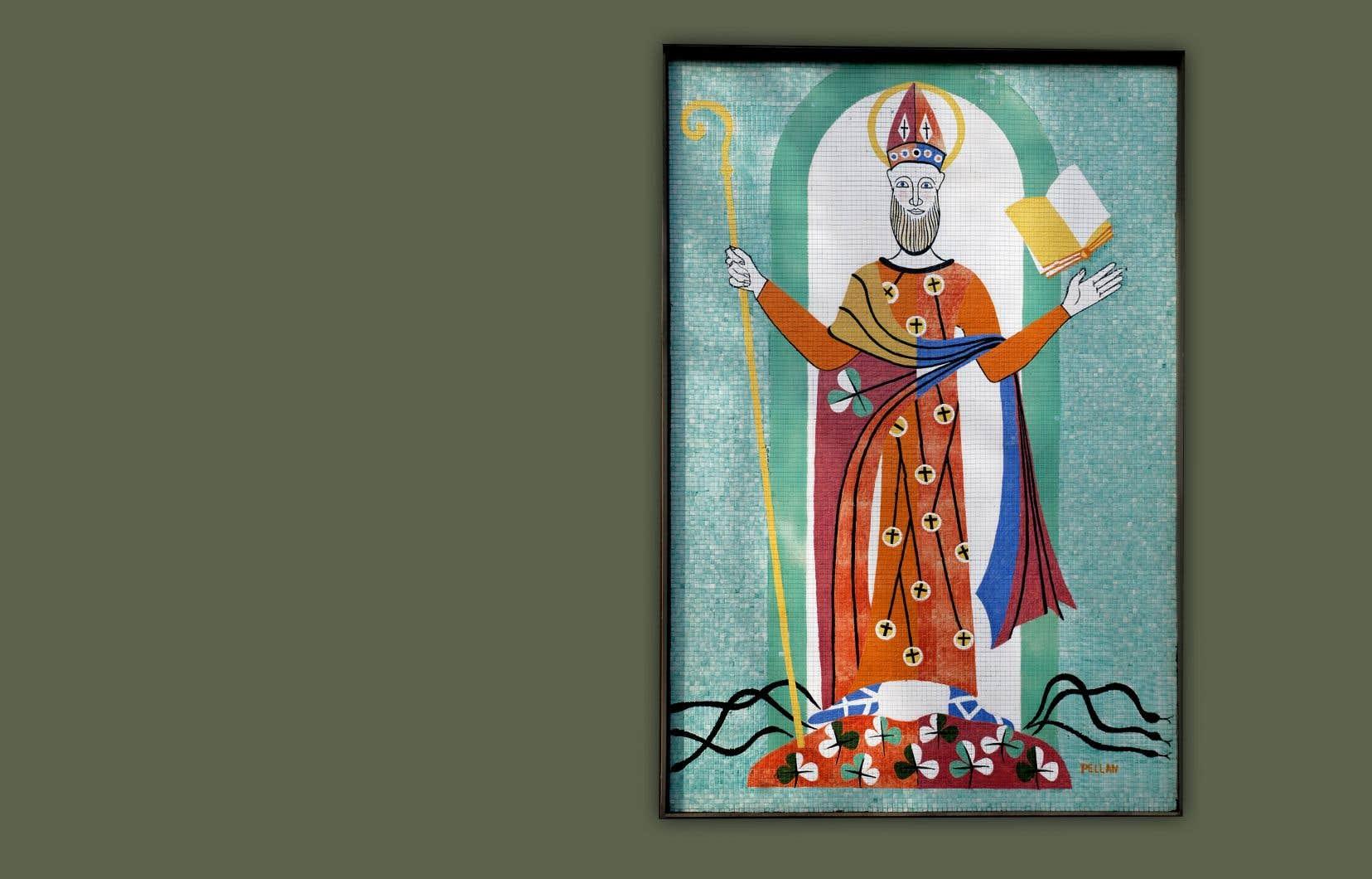 La murale signée Alfred Pellan et représentant Saint-Patrick se trouve sur la façade du 142, rue Dufferin à Granby.