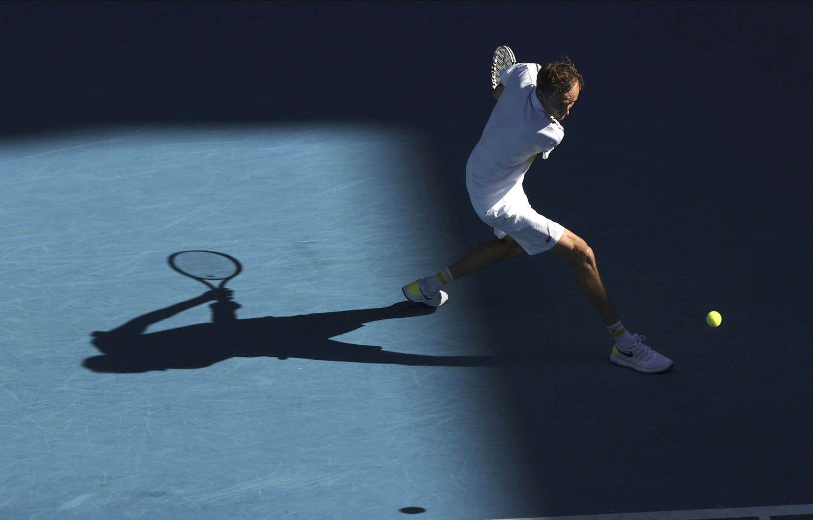 Invaincu depuis près de quatre mois, Daniil Medvedev va défier Novak Djokovic en finale des Internationaux d'Australie, dimanche.